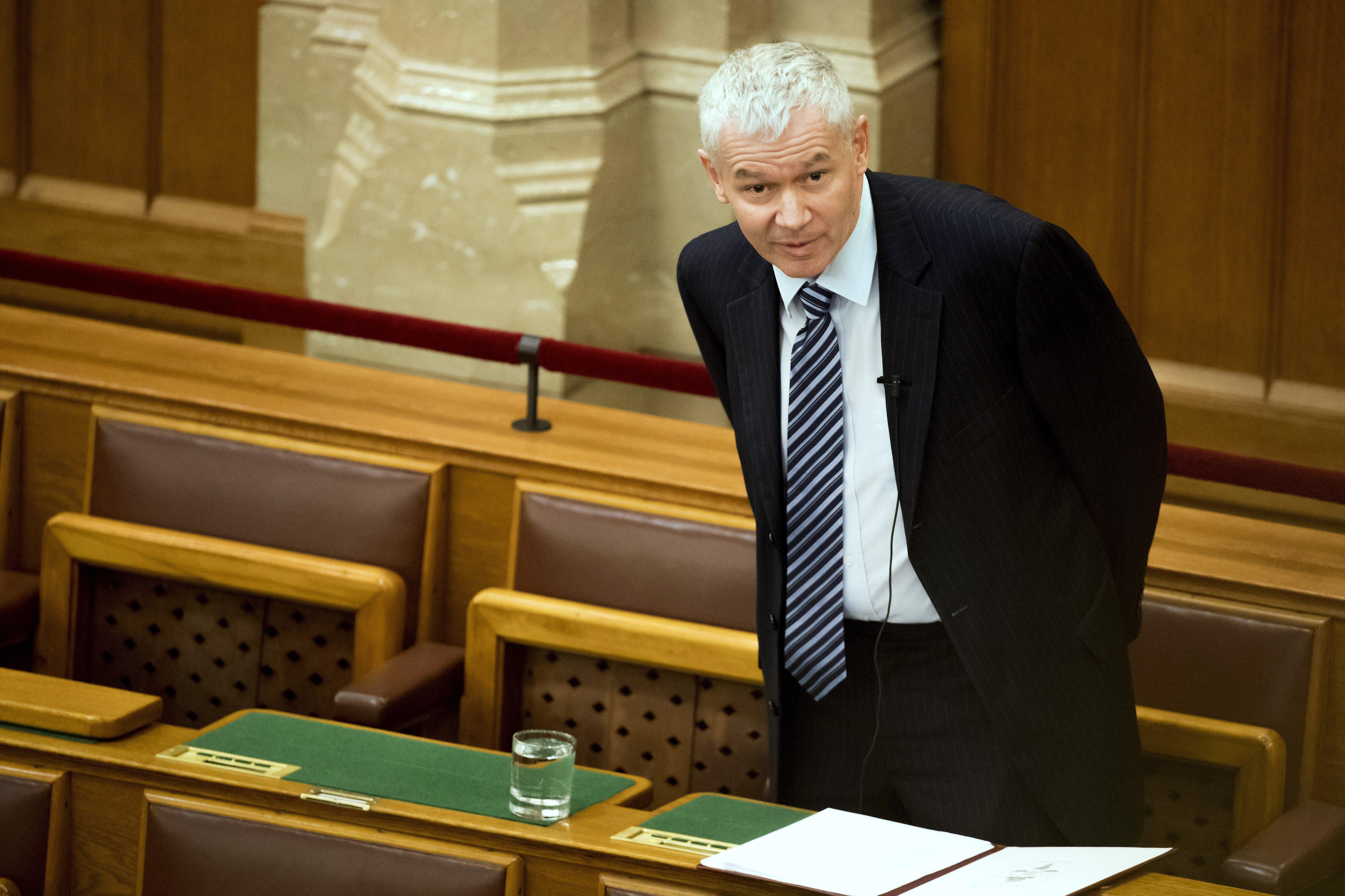 Fejetlen kapkodással nem lehet vádolni a nyomozókat a Széchenyi Bank-ügyben