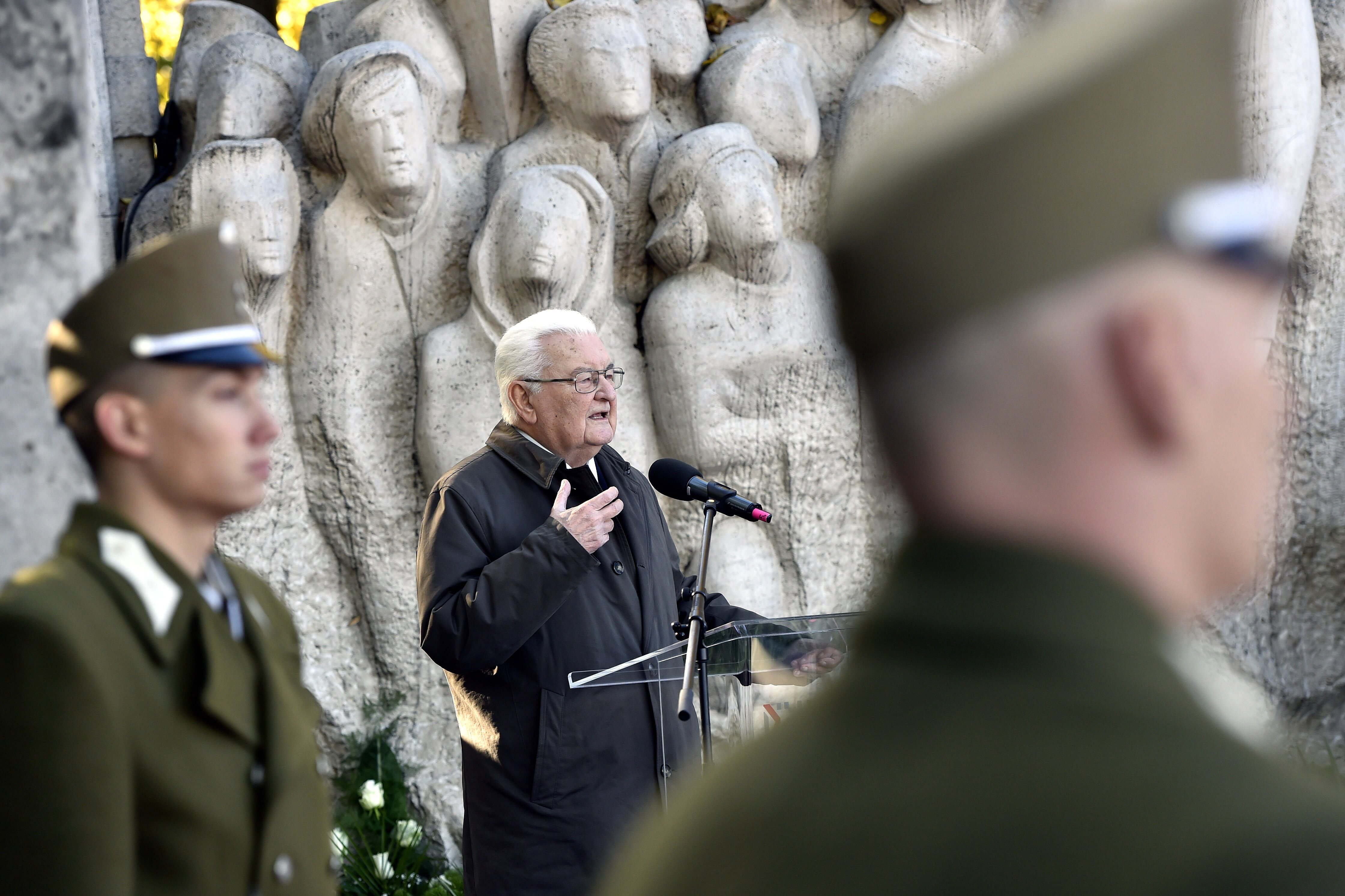 Boross Péter az október 23-i beszédében arról beszélt, hogy be kellene mutatni az amerikai imperialisták gaztetteit