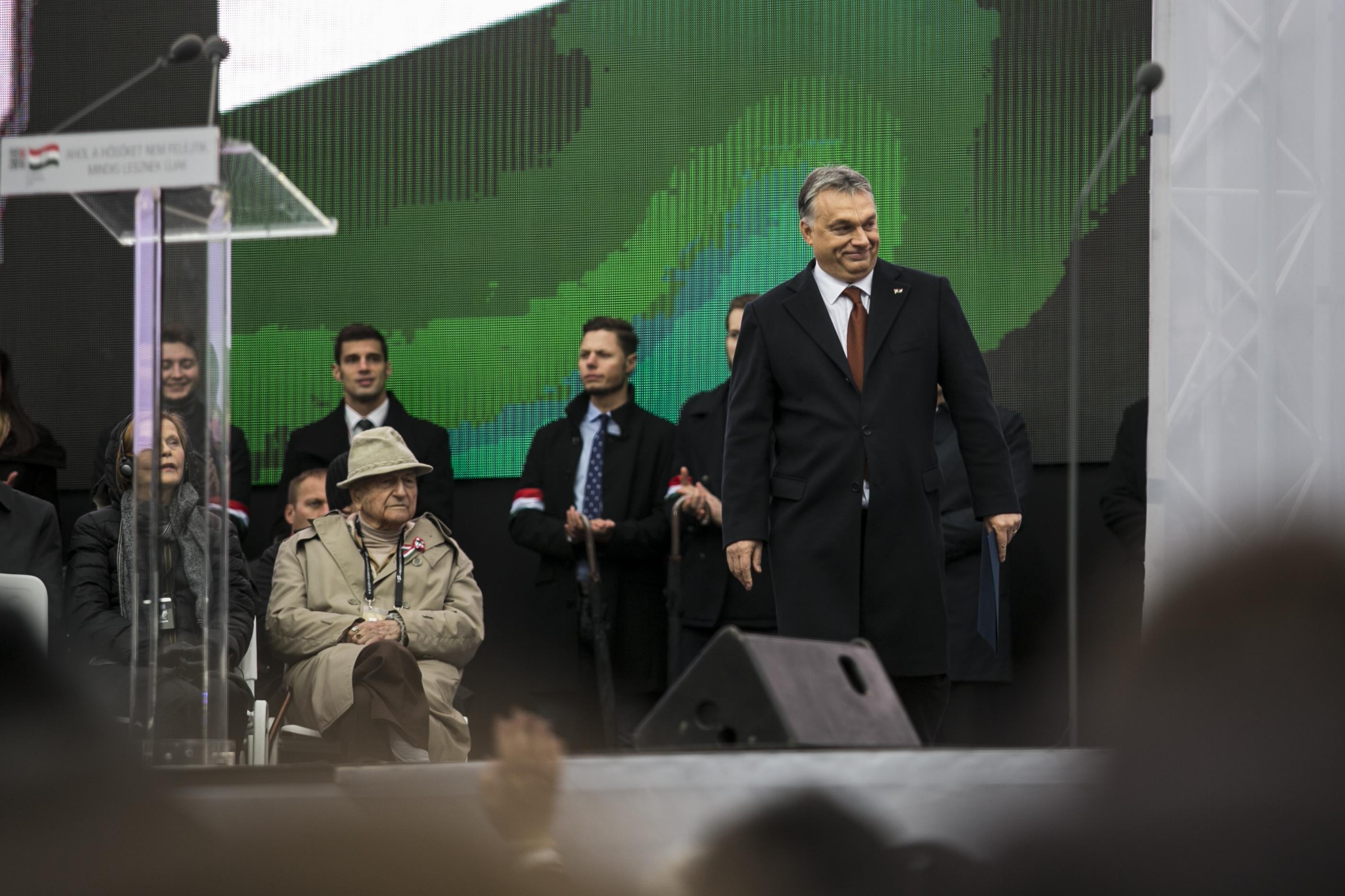 Kunhalmi Orbánnak: Nagyobb szovjet lett, mint az egykori kommunisták