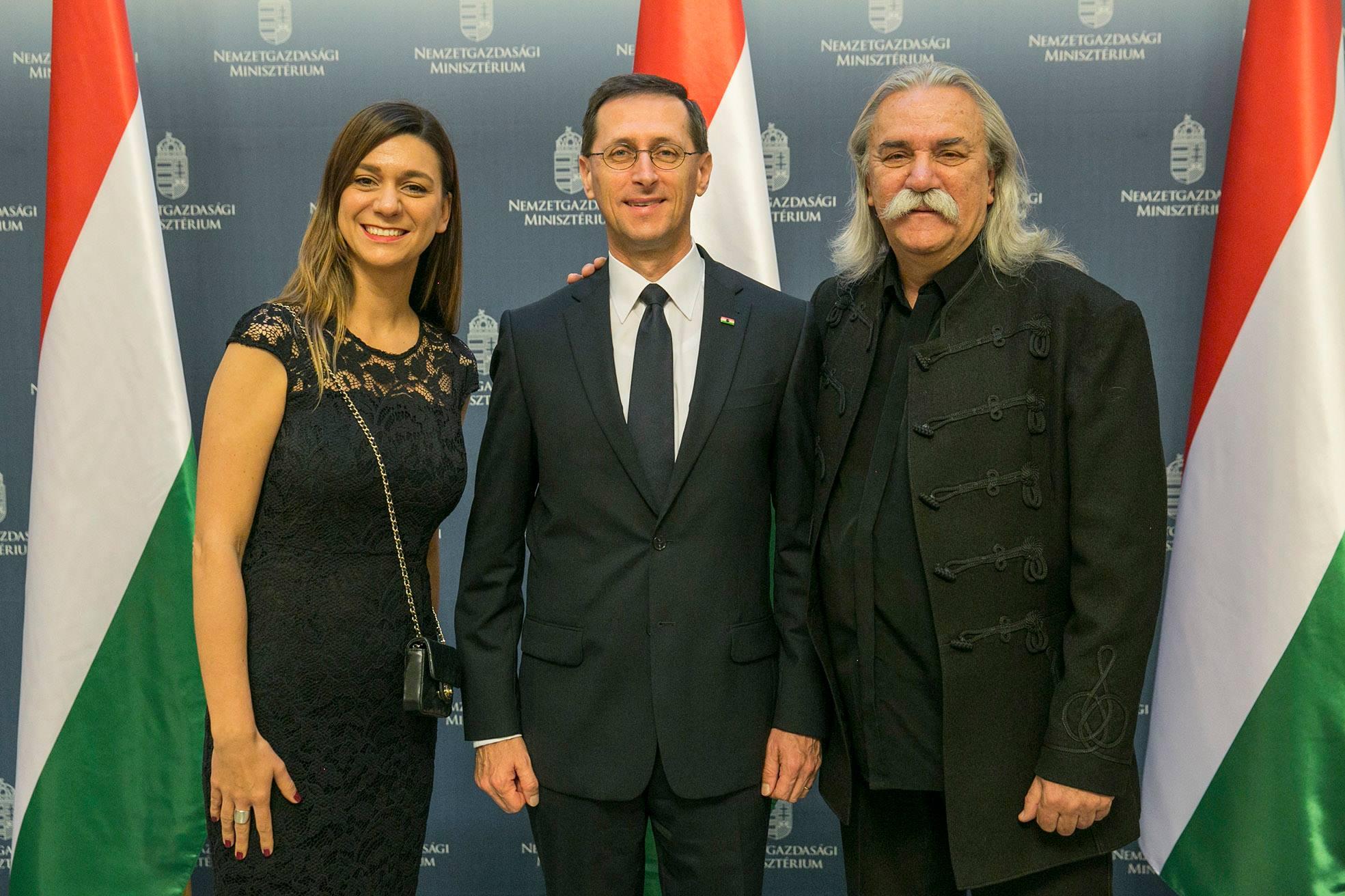 Varga Mihály szerint Schuster Lóránt azt csinálja, amitől a magyar gazdaság is működik