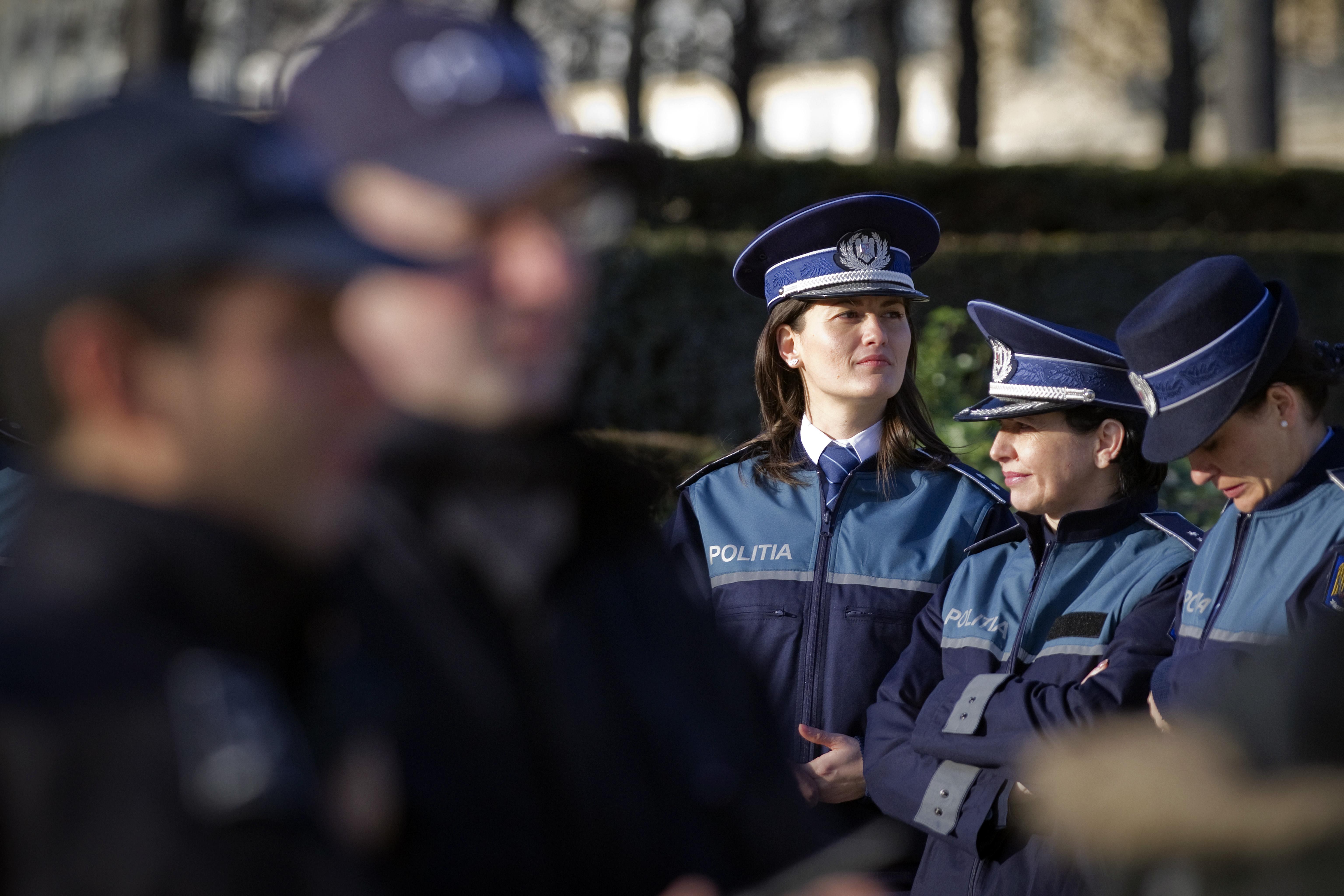 Egy autót akart megállítani, de egy gyalogost talált el a román rendőr