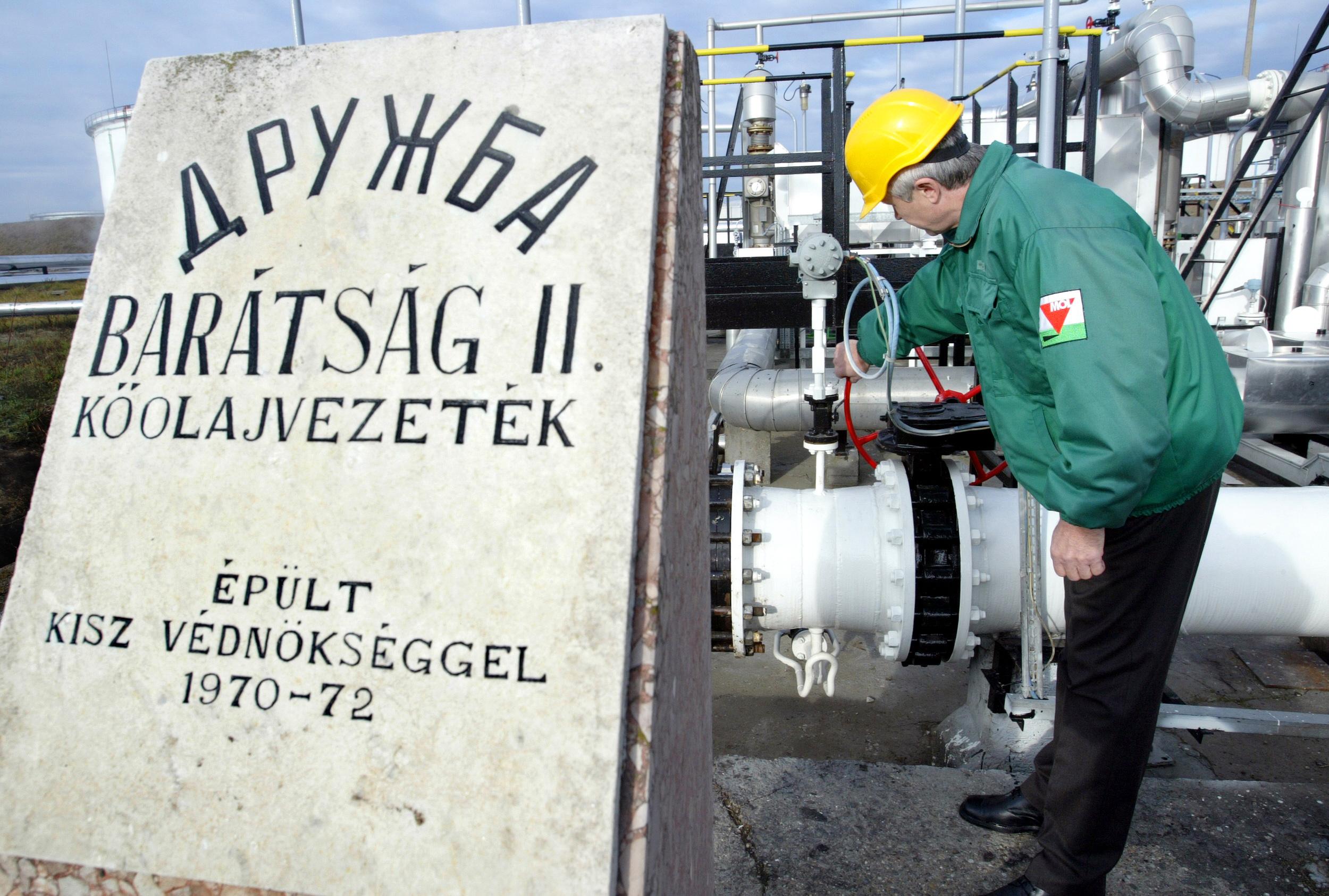 Az egyik orosz cég leállította az olajszállítást Magyarország felé