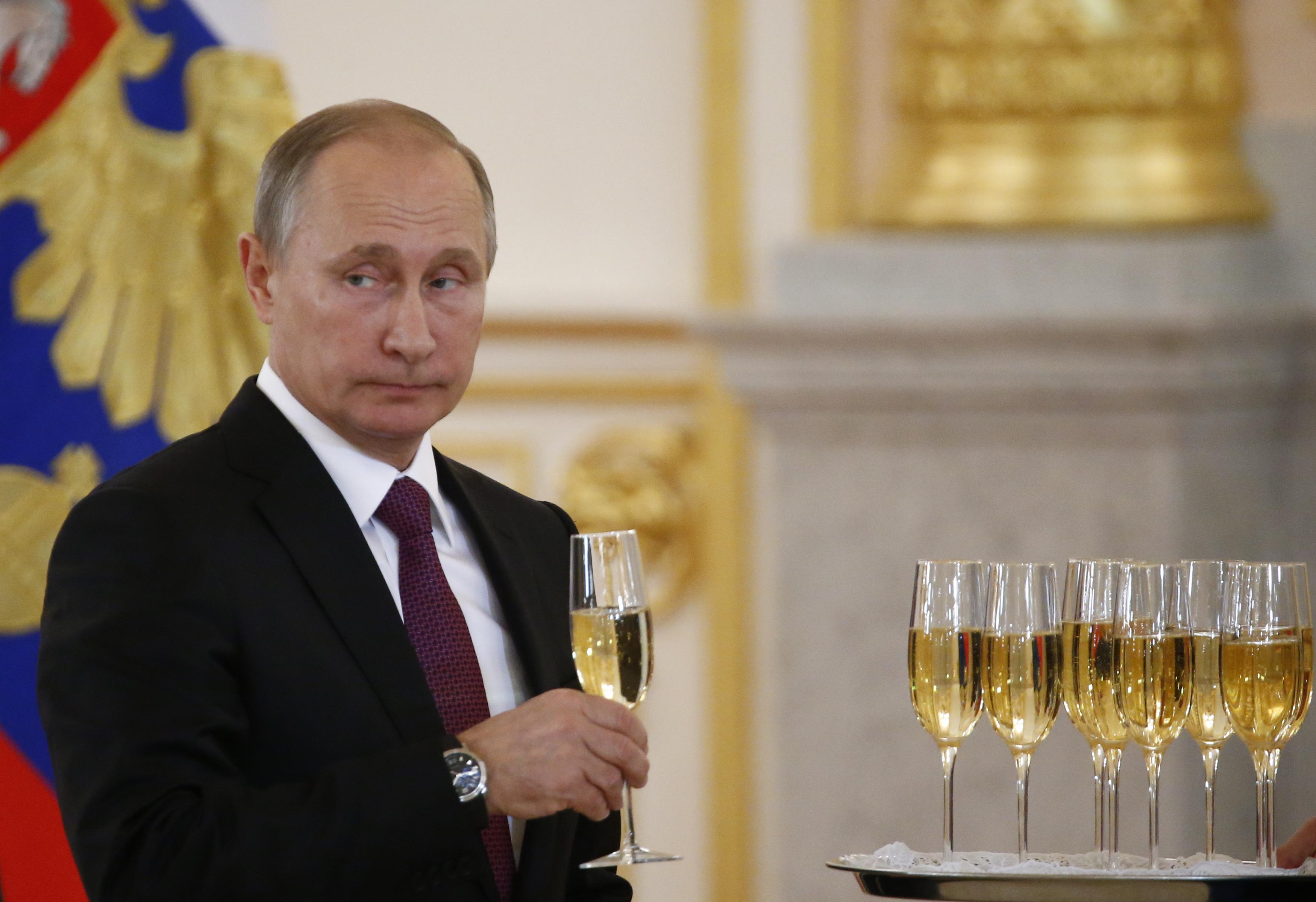 Az Osztrák Szabadságpárt még szorosabbra fűzte az együttműködést Putyin pártjával