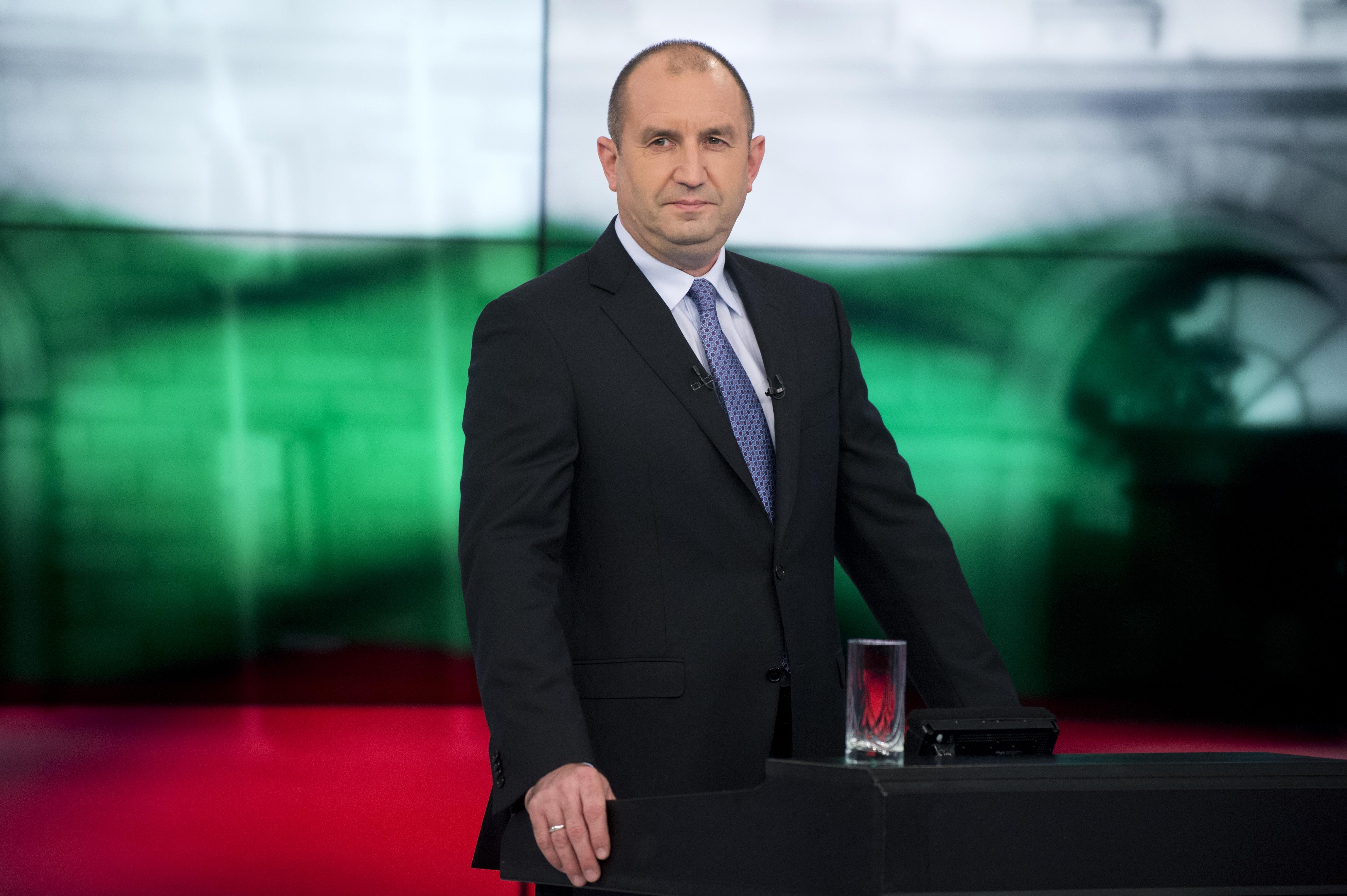 Az észt elnöki hivatal szerint a bolgár elnök koronavírus-fertőzöttel találkozott, a bolgár elnöki hivatal szerint viszont nem