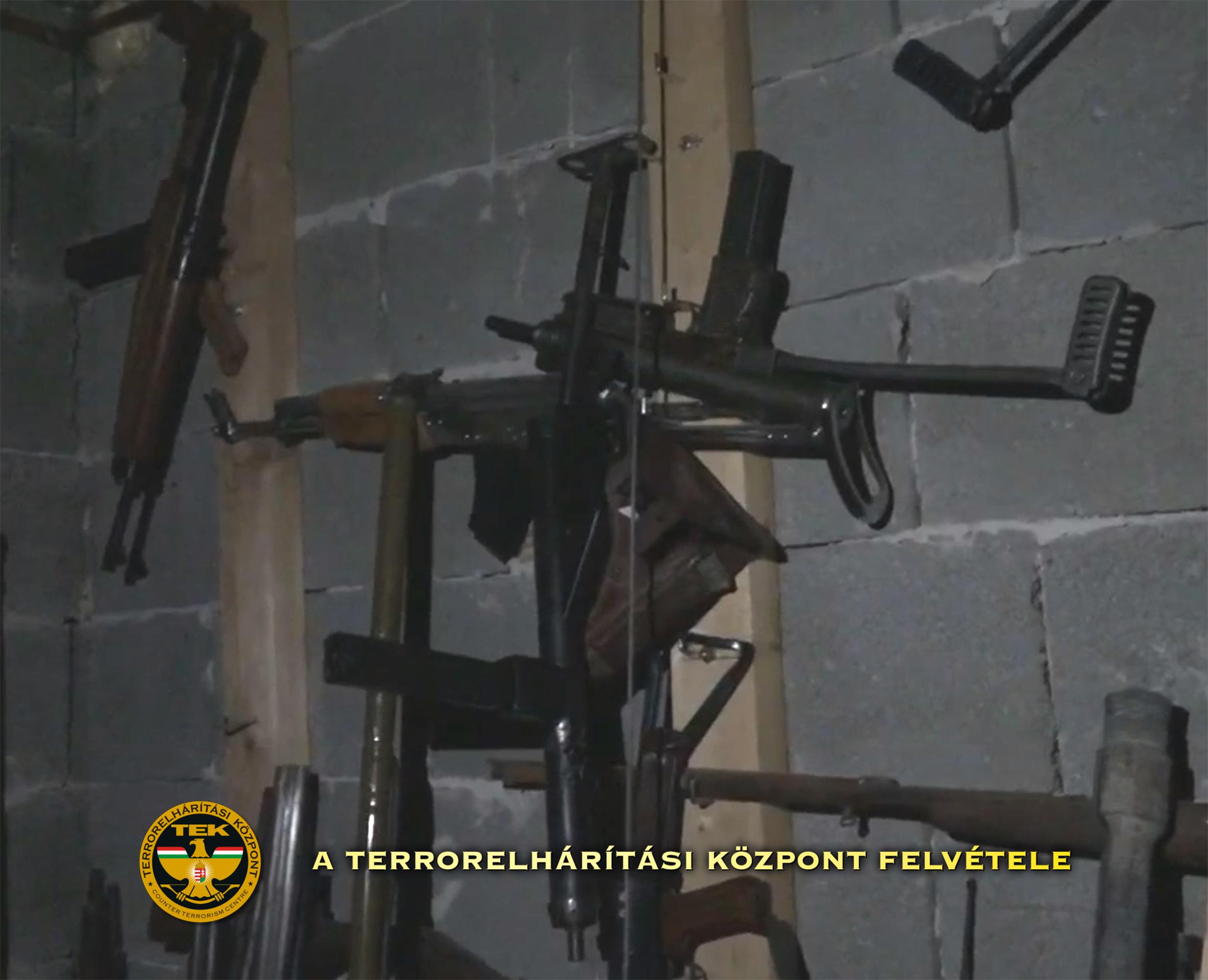 Lefoglalták a Magyar Nemzeti Arcvonal titkos fegyverarzenálját