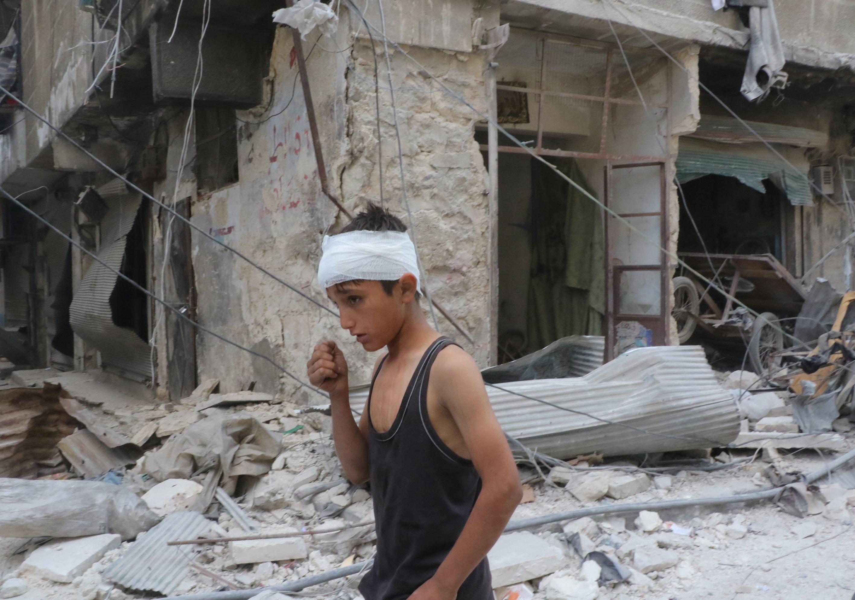 Gyerekkórházat és vérbankot bombázott le Aleppóban a szír légierő