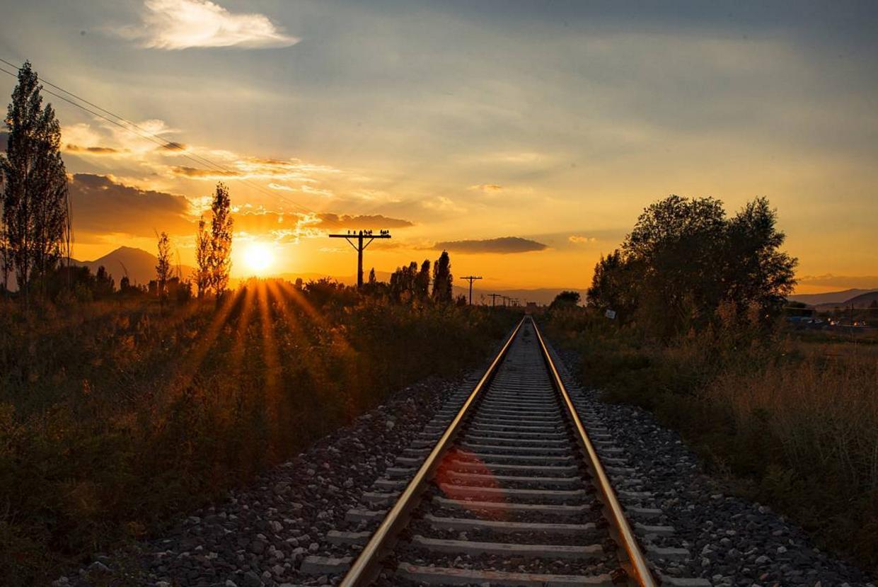 Csütörtöktől lehet pályázni fiataloknak ingyen vonatbérletre