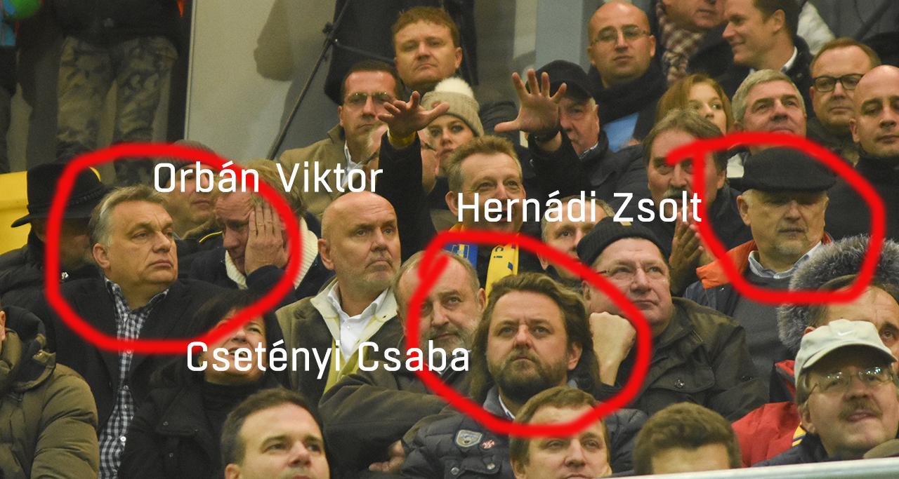 Orbán Viktor a kormányzati reklámokon milliárdokat kereső Csetényi Csabával nézte a Dunaszerdahely stadionavató mérkőzését