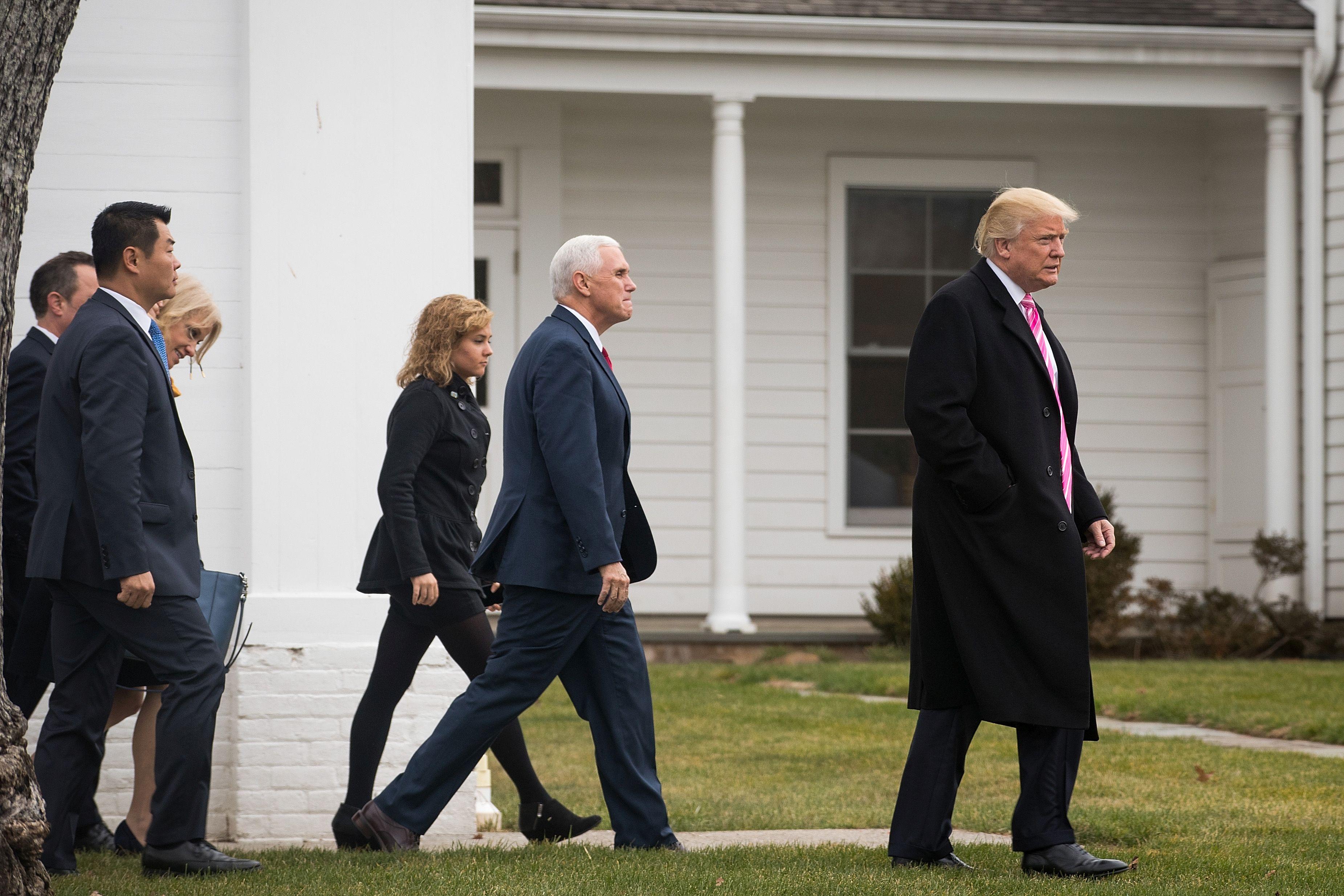 Trumpot annyira azért nem érdeklik az Egyesült Államokat fenyegető veszélyek