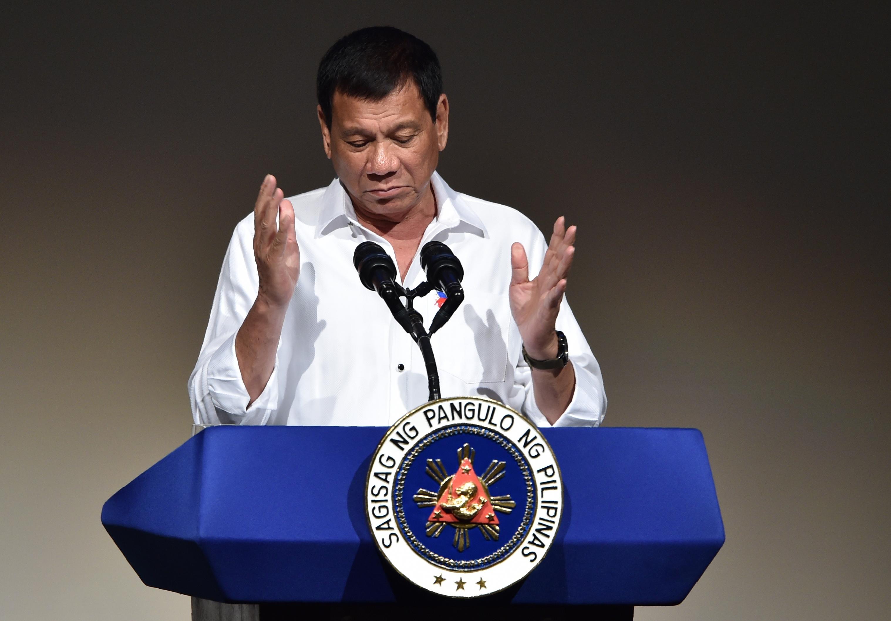 Duterte fiát és vejét drogcsempészettel hozták összefüggésbe, a Fülöp-szigeteki kormány máris közölte, hogy újragondolják a drogháborút