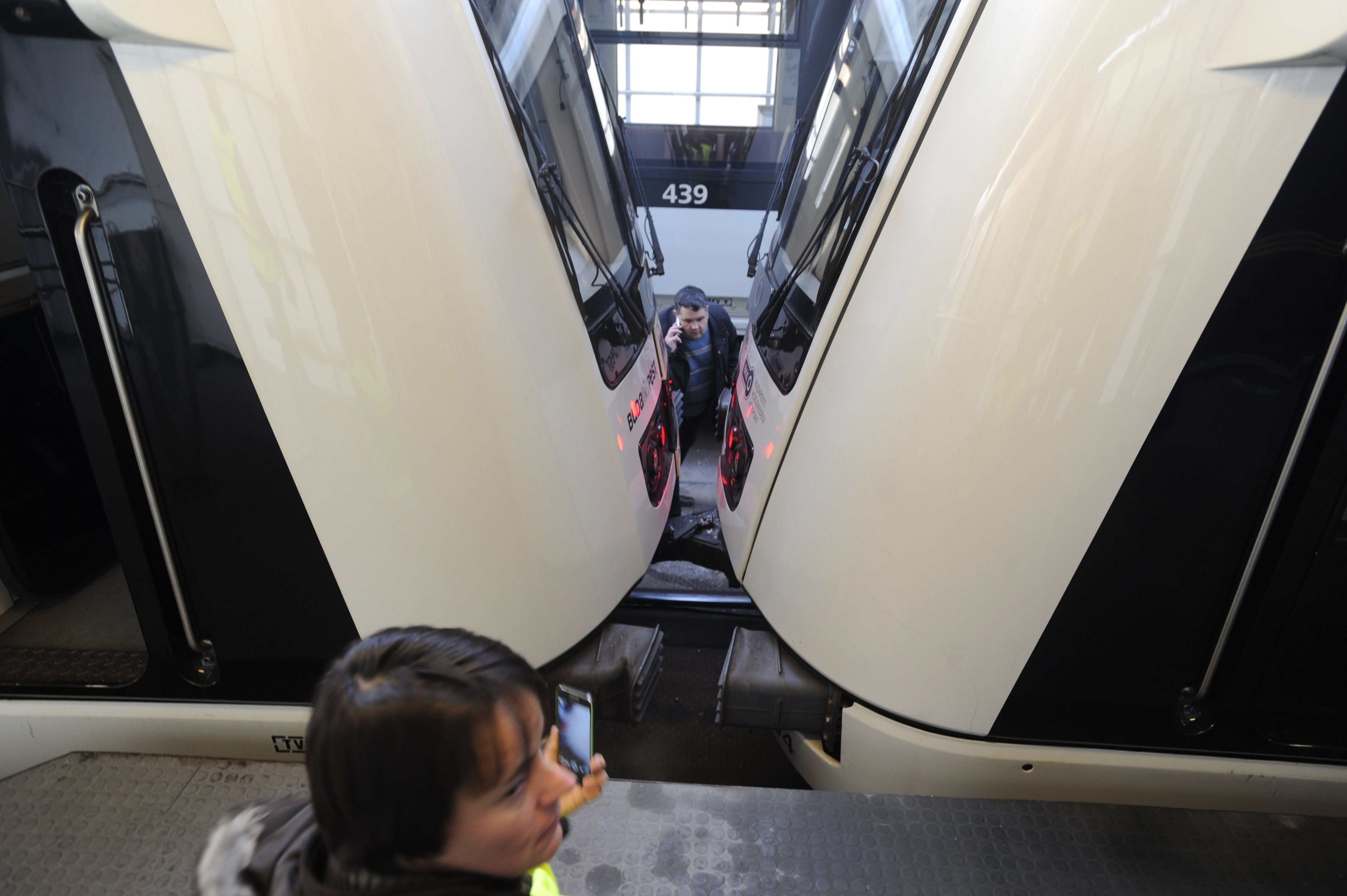 Ötvennel ment a kettes metró, mikor meghúzta vészféket a vezetője