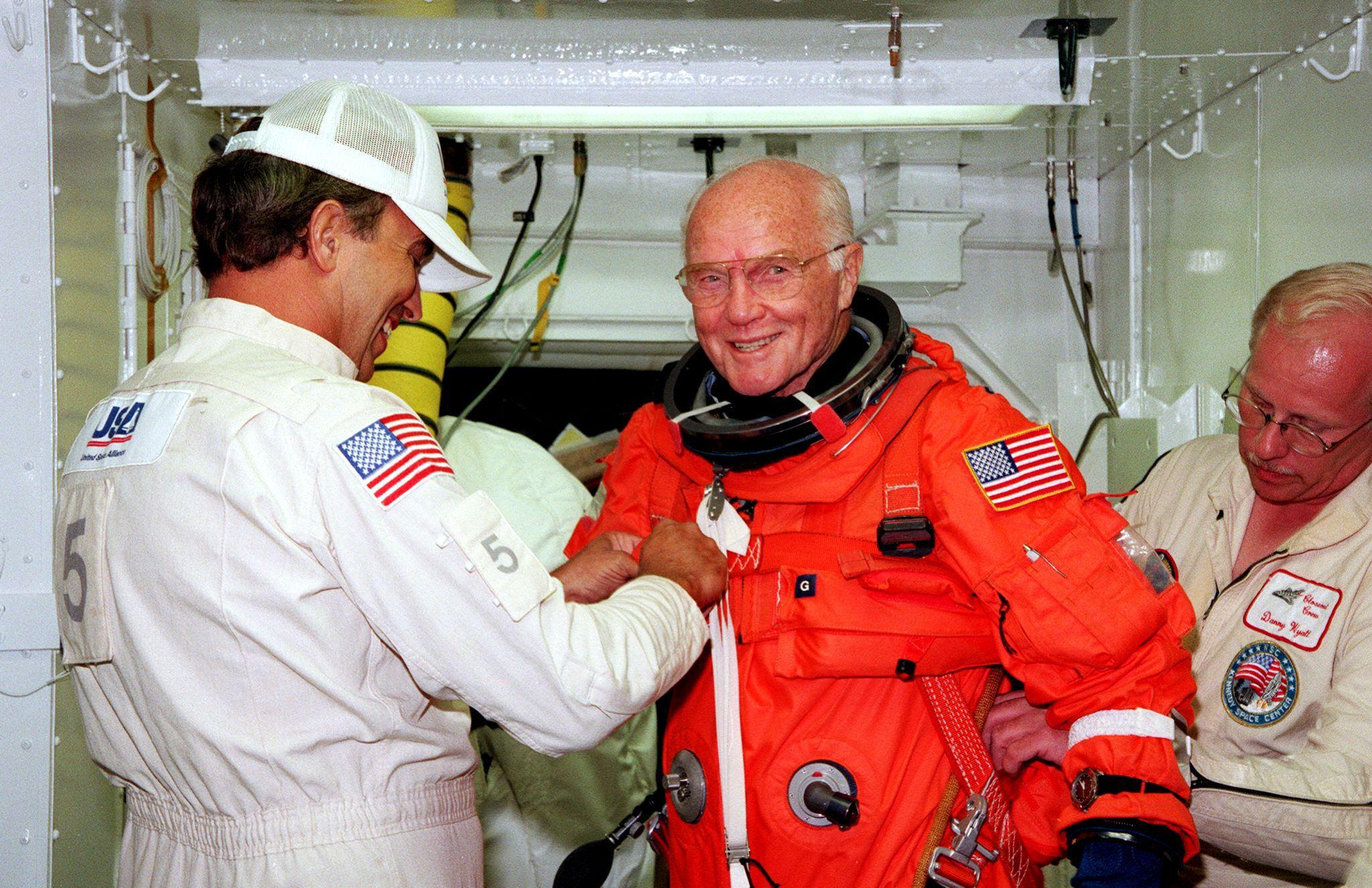 Meghalt az első amerikai, aki űrhajóval megkerülte a Földet