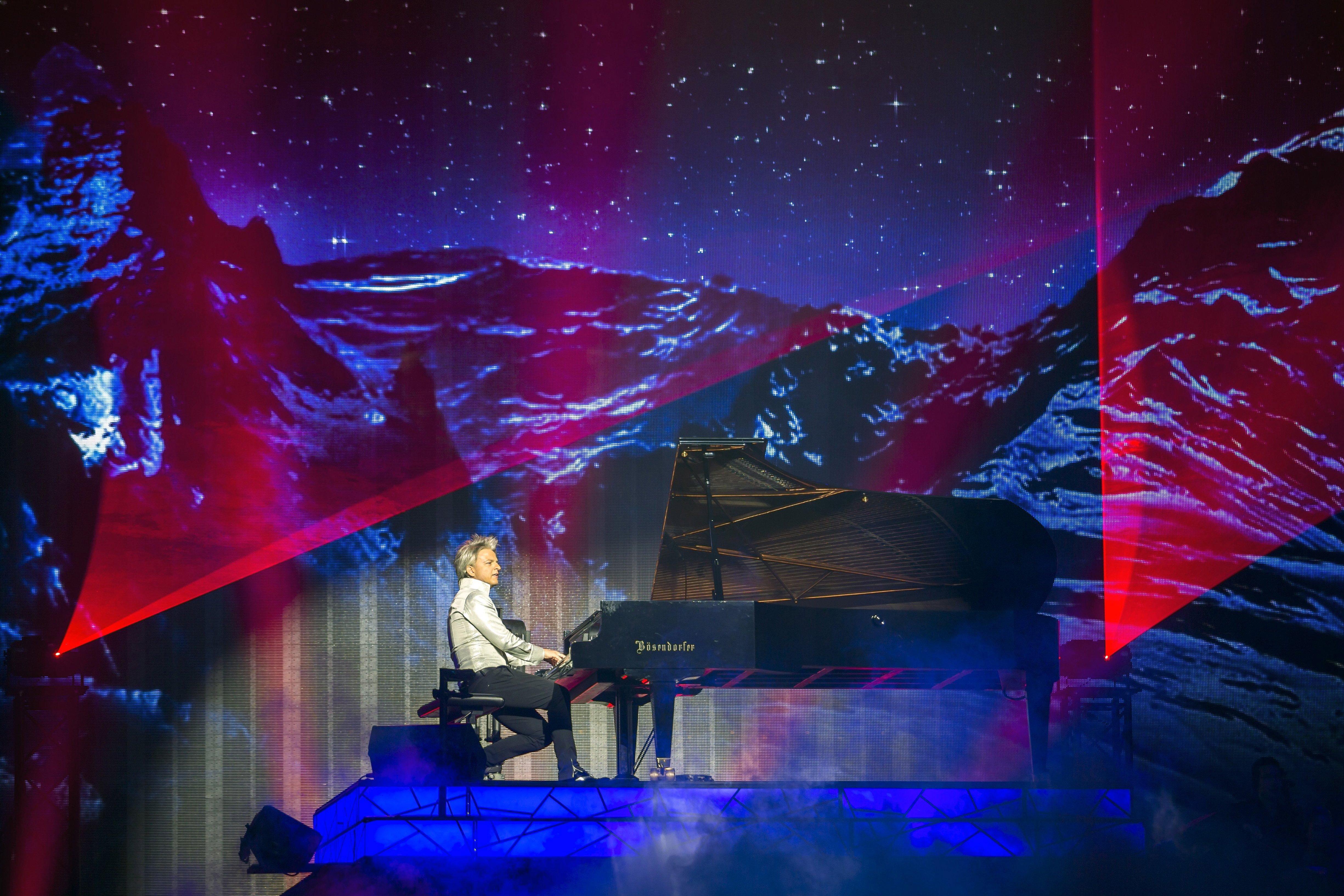 A külügyminisztérium három év alatt 450 millió forintot adott a zongorista Havasi Balázs cégének
