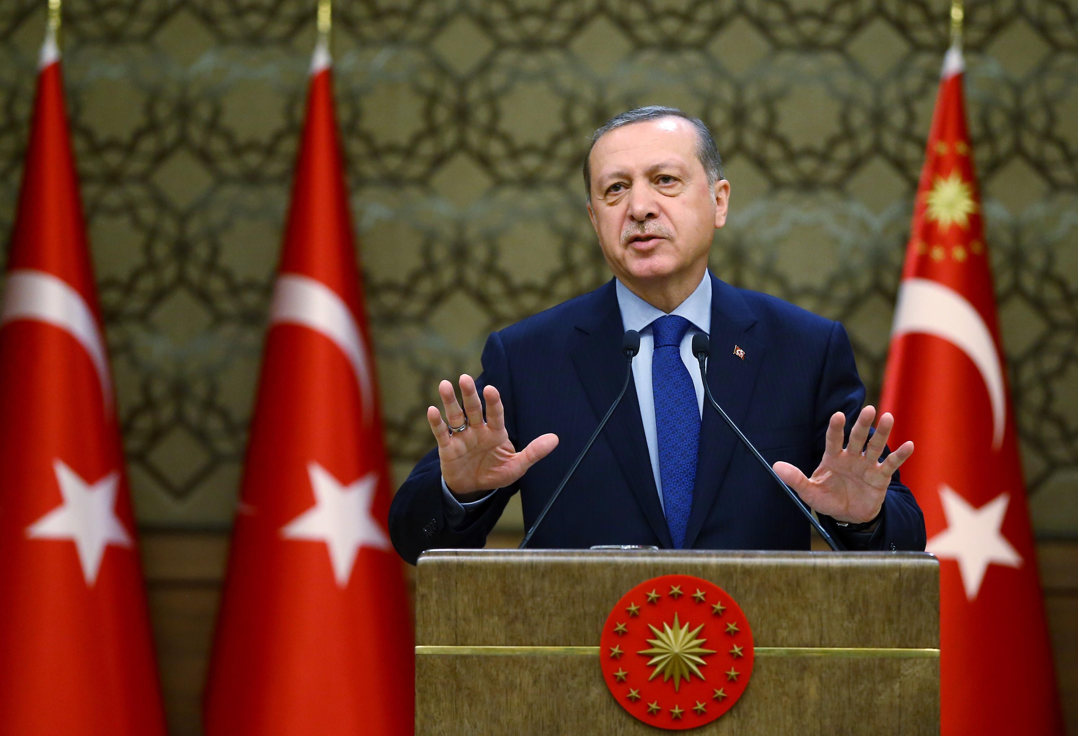 Erdogan beszólt egy török újság cikke miatt, másnap kirúgták a főszerkesztőt