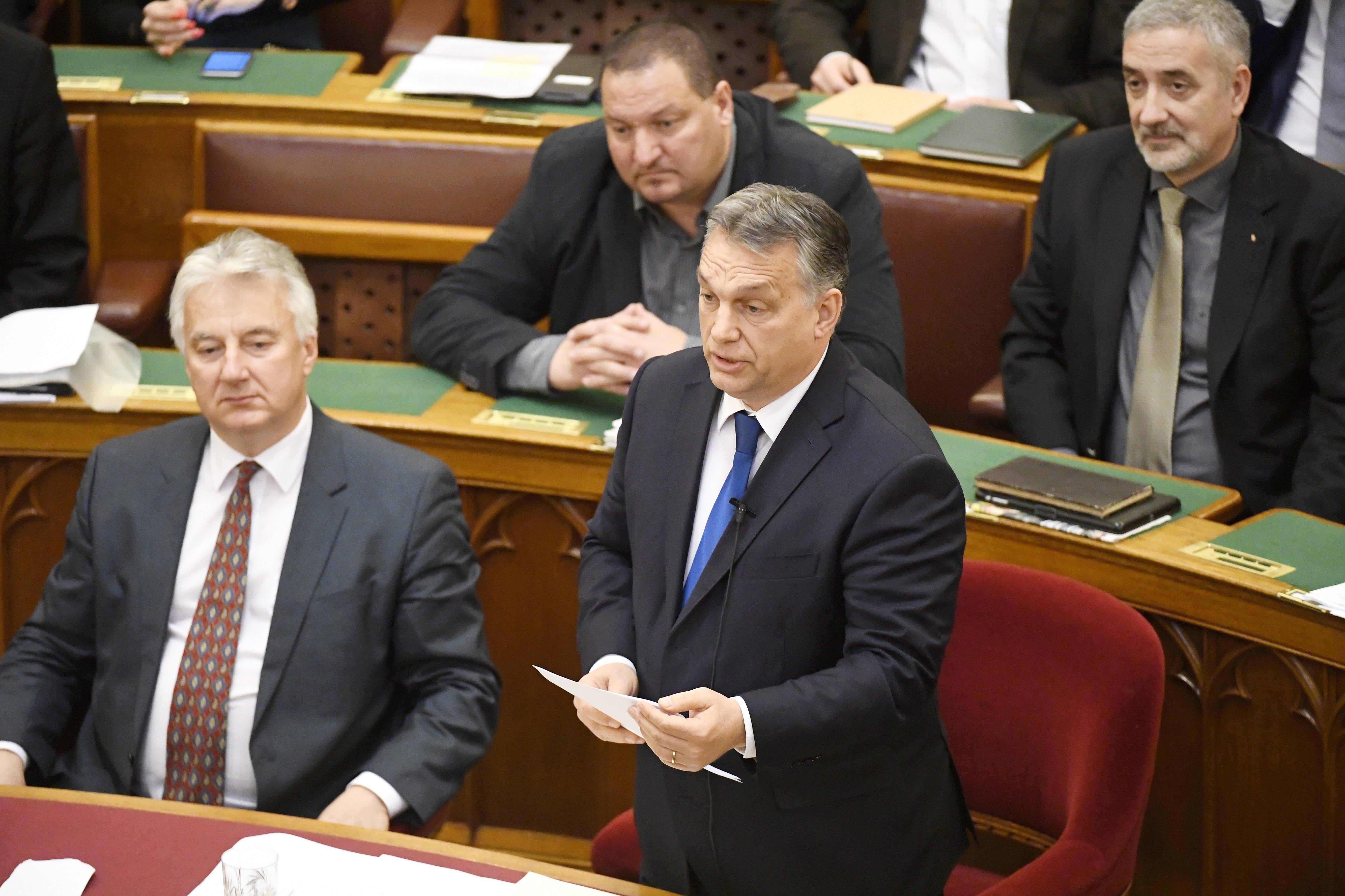 Orbán szerint Vona ahhoz is kevés, hogy fenyegesse őt