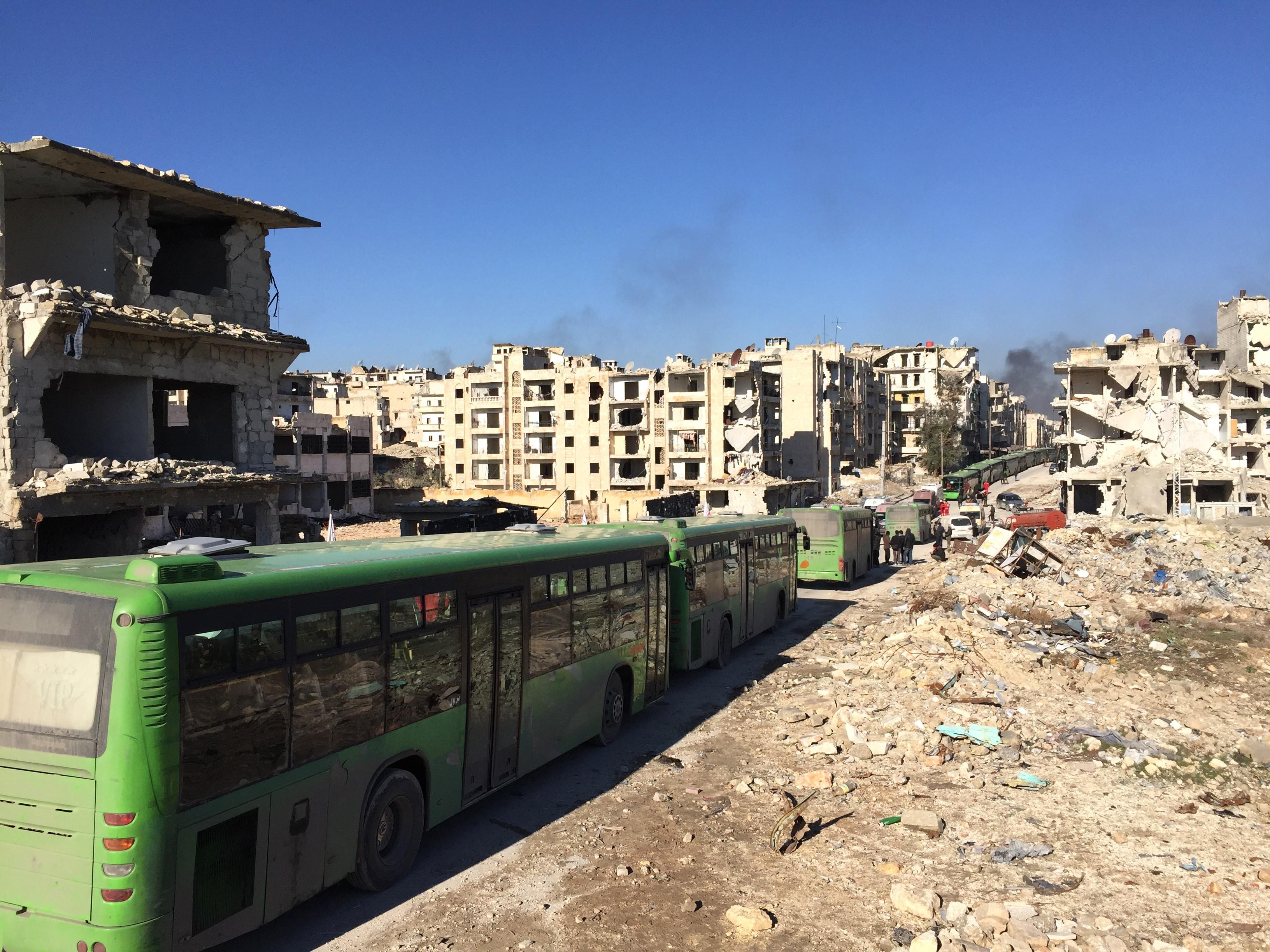 Leállították az emberek kimenekítését Aleppóból