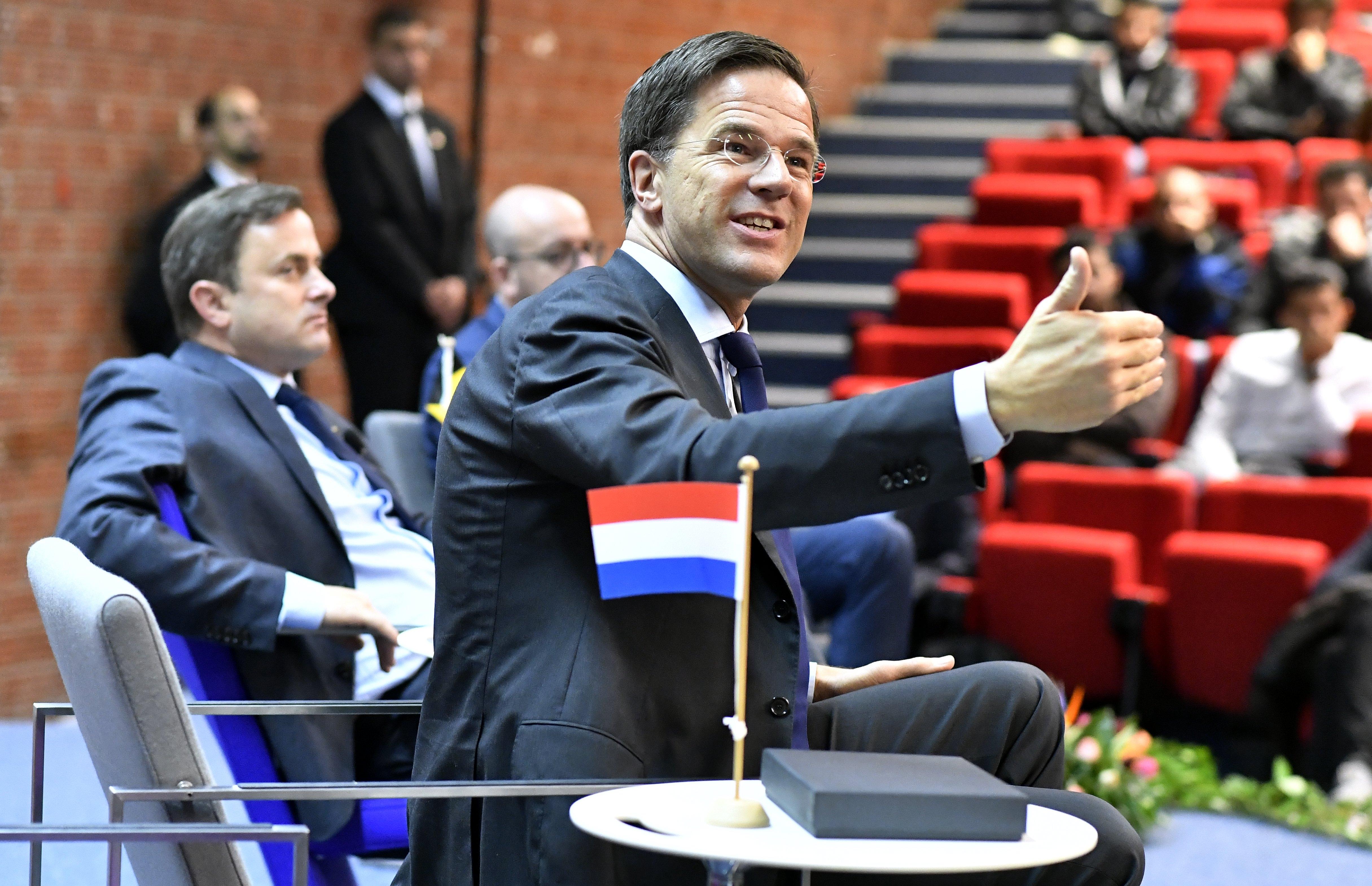 Lemondott, zavargások voltak, mégis jó eséllyel megint holland miniszterelnök lesz