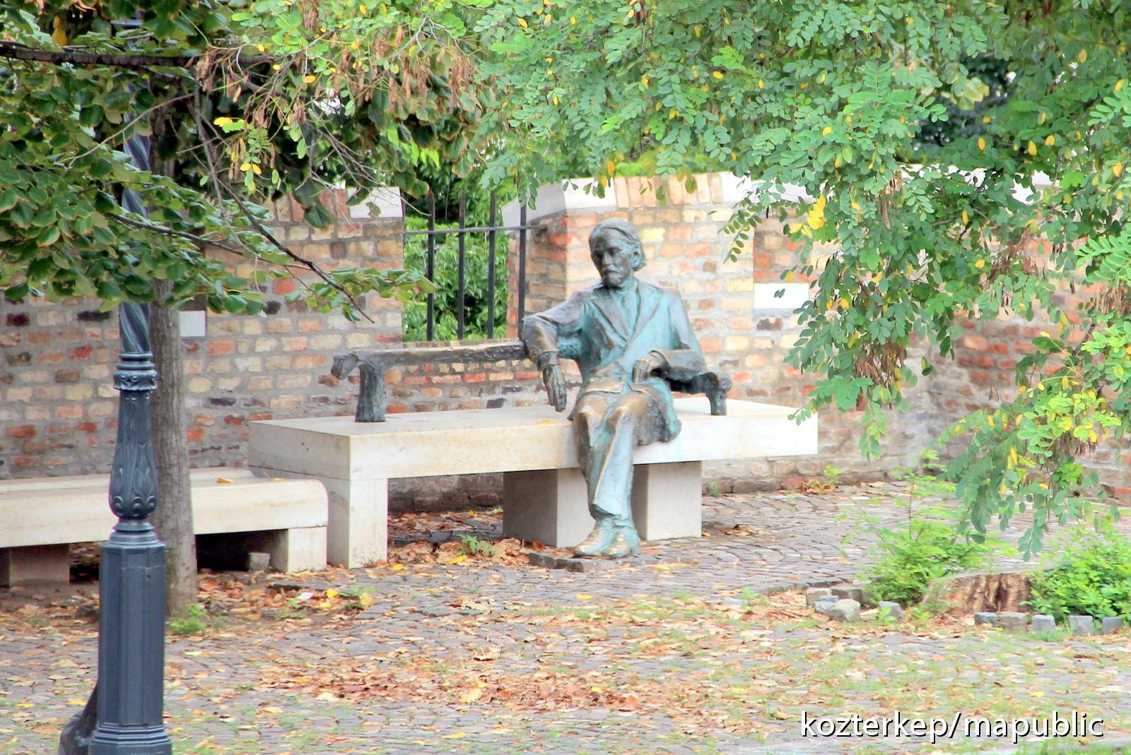 A Várba költöző Miniszterelnökség útjában volt a Kodály-szobor
