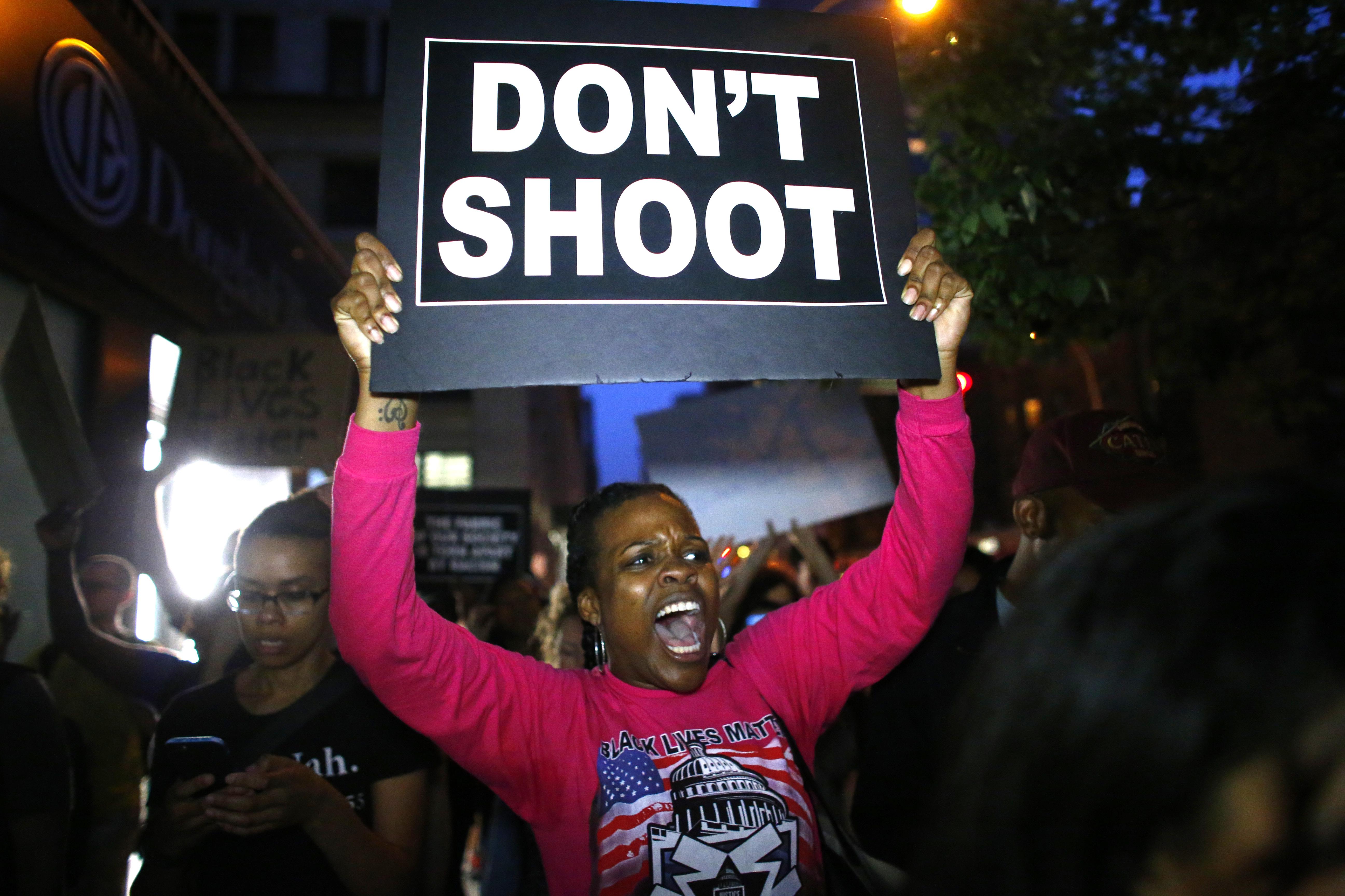 Terrorveszélyt lát az FBI a rendőri erőszak miatt megerősödött fekete aktivista mozgalomban