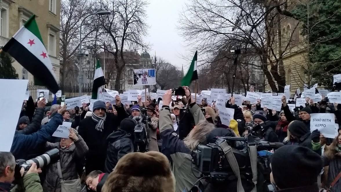 Az oroszok aleppói beavatkozása ellen tüntettek Budapesten