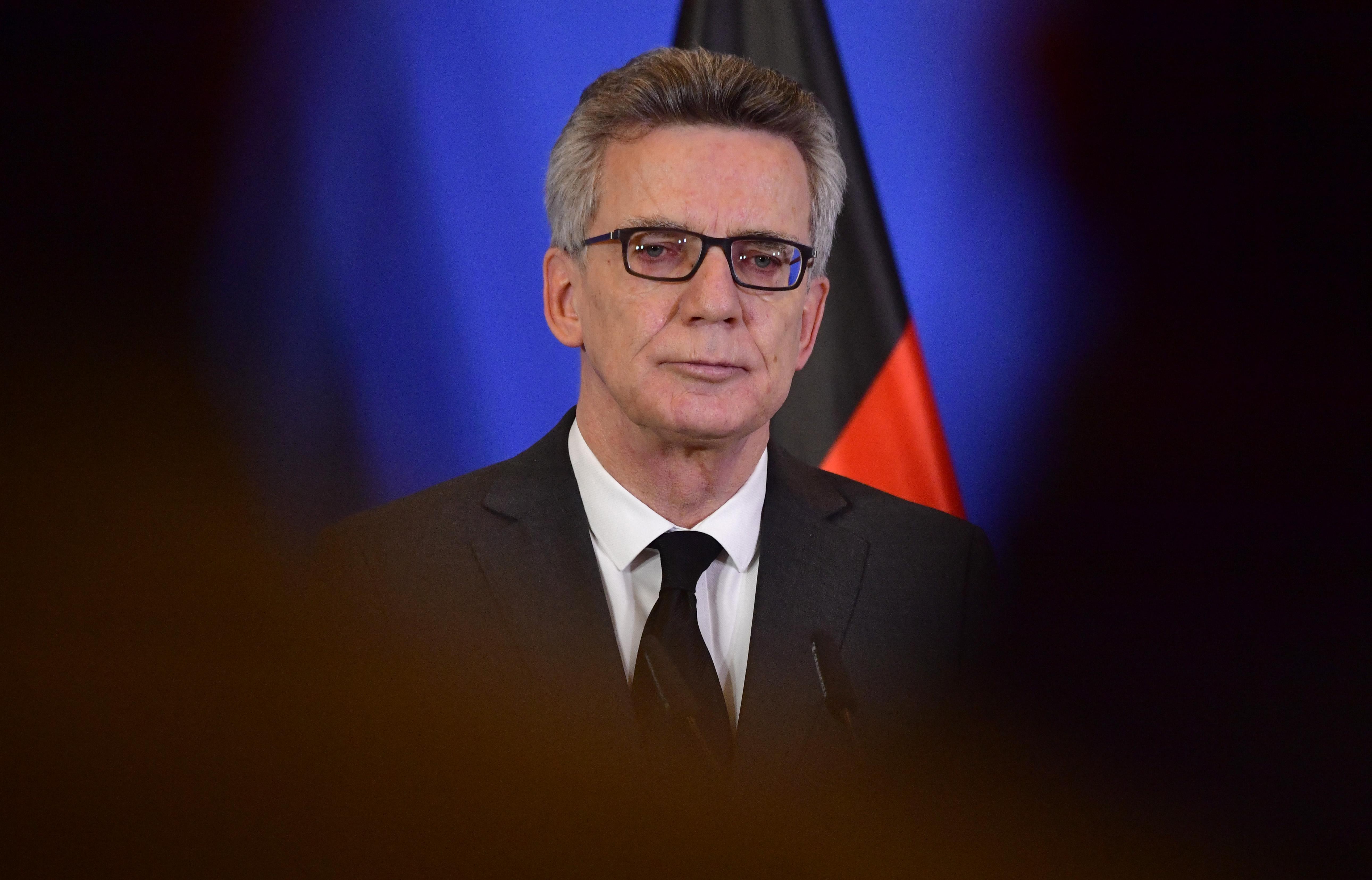 Titkosszolgálati központosítást javasol a német belügyminiszter a terrorellenes harcban