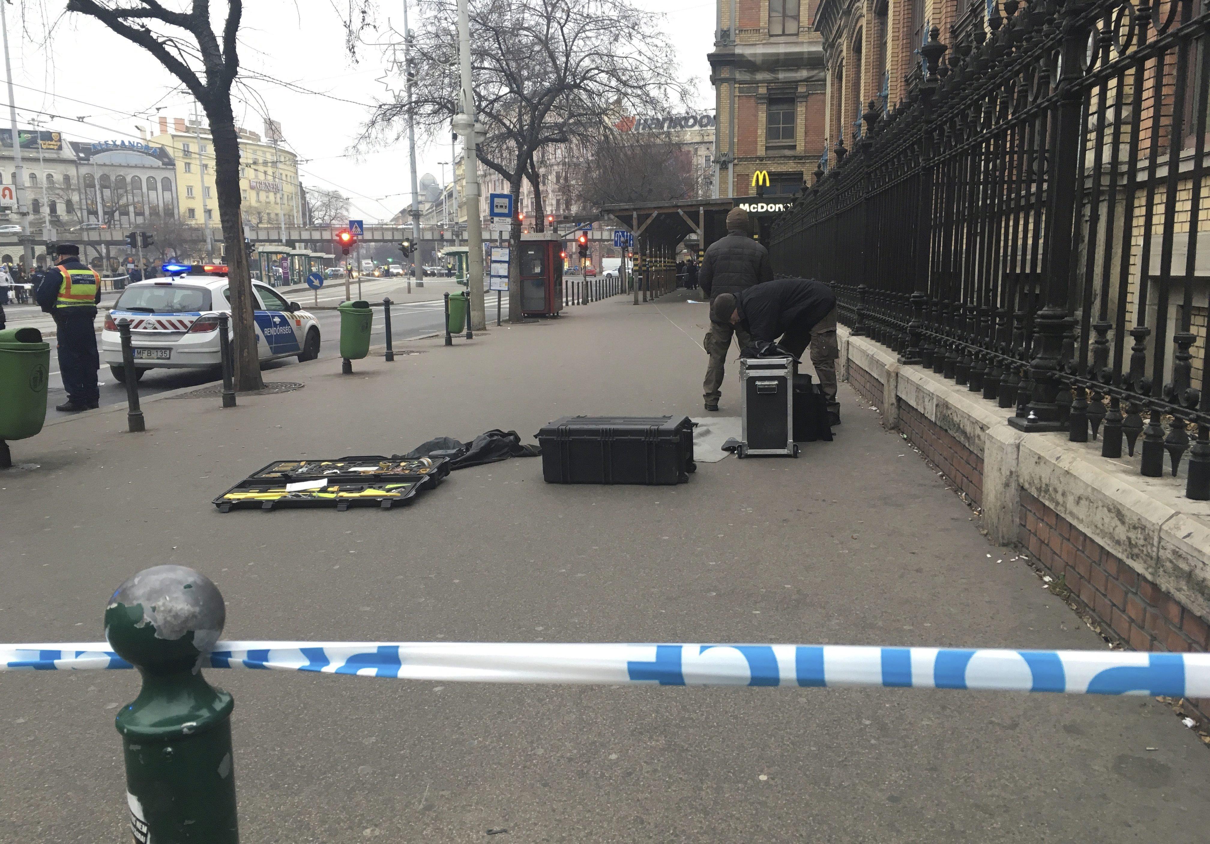 Gyanús csomag miatt zárták le a Nyugati pályaudvart és környékét