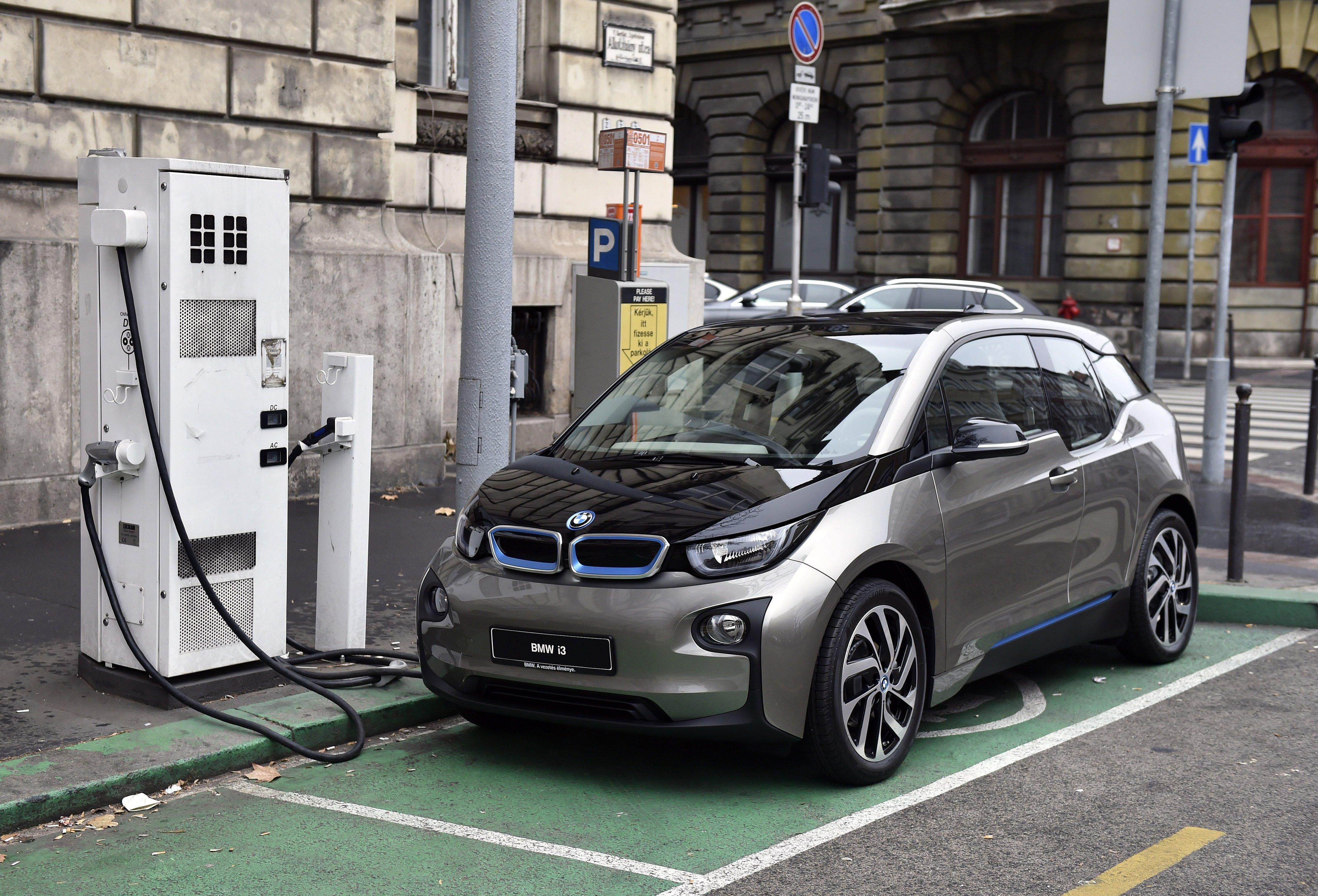 Üzemanyagnak minősítenék az elektromos autót töltő áramot