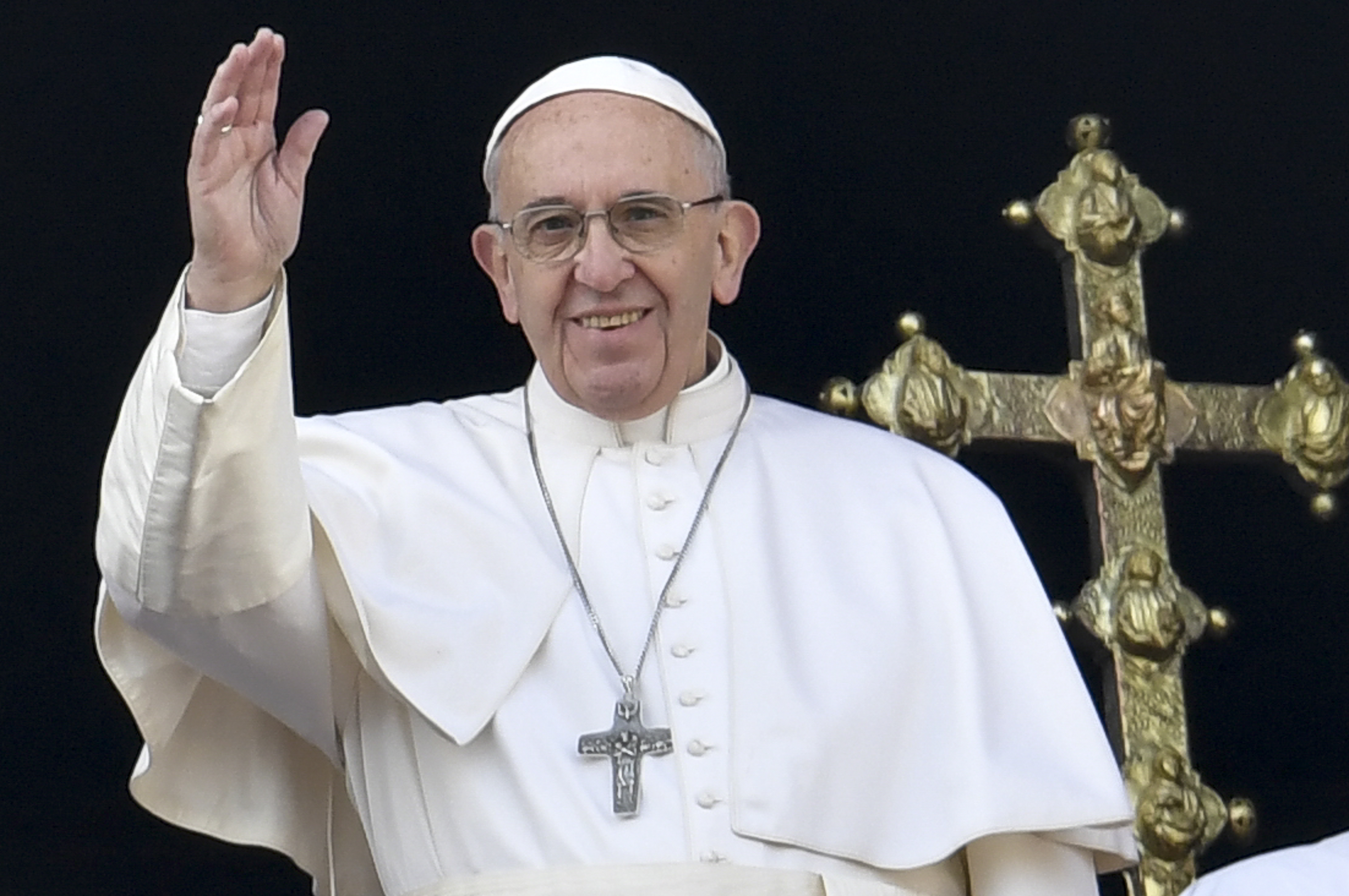 Mosodát nyittatott a hajléktalanoknak Ferenc pápa