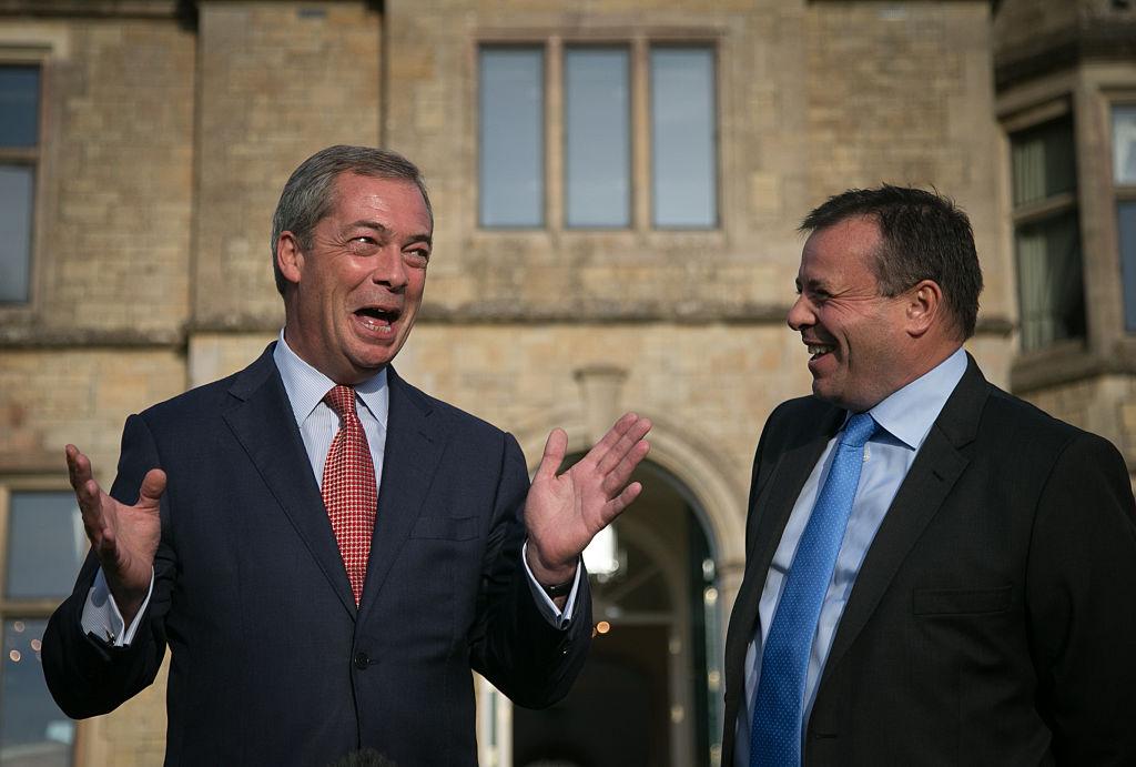 A megengedettnél több pénzt költöttek a Brexit-népszavazás EU-ellenes kampányára