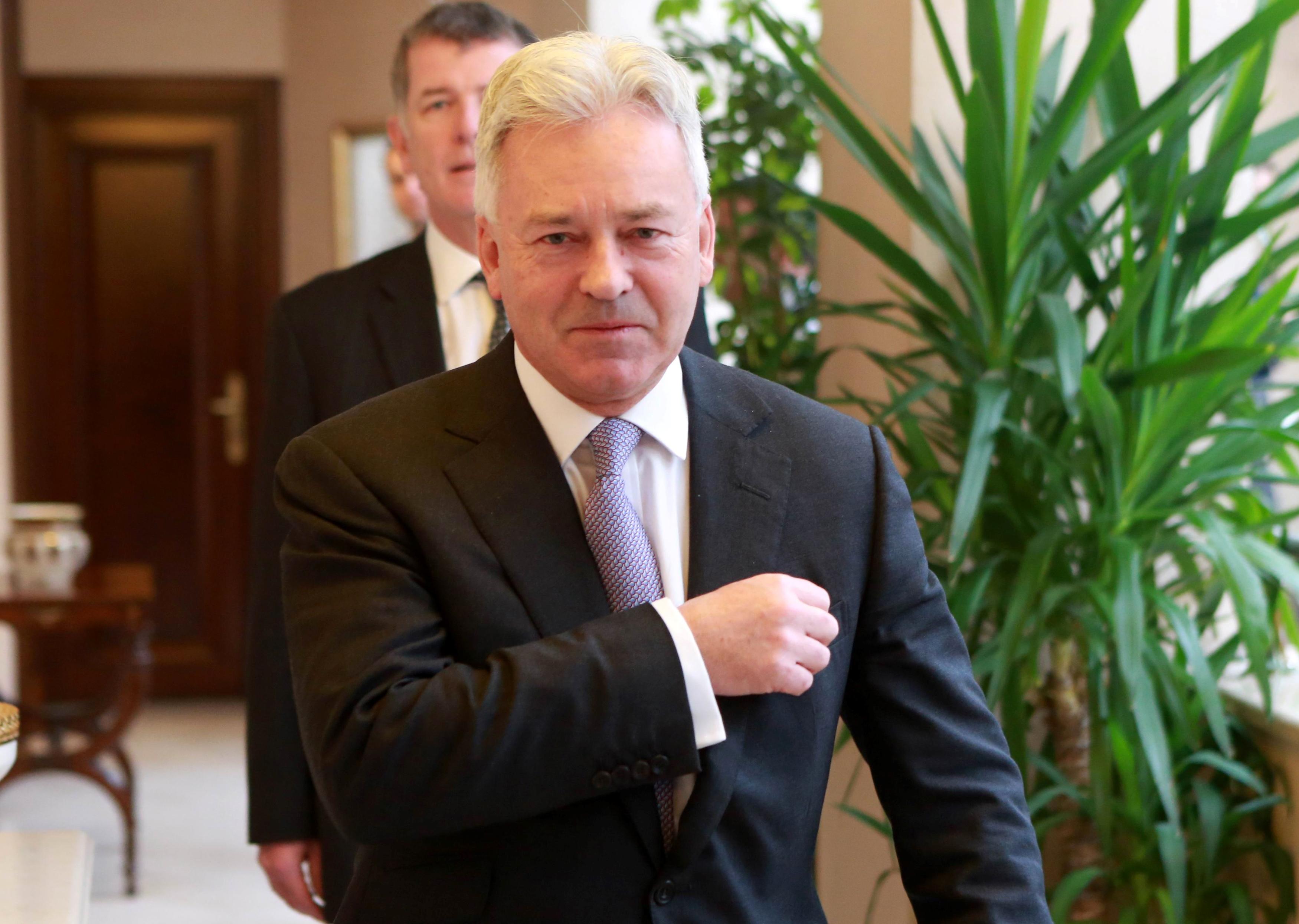 Bocsánatot kért az izraeli nagykövetség, amiért az egyik diplomatájuk a brit  külügyminiszter-helyettes kirúgásáért lobbizott