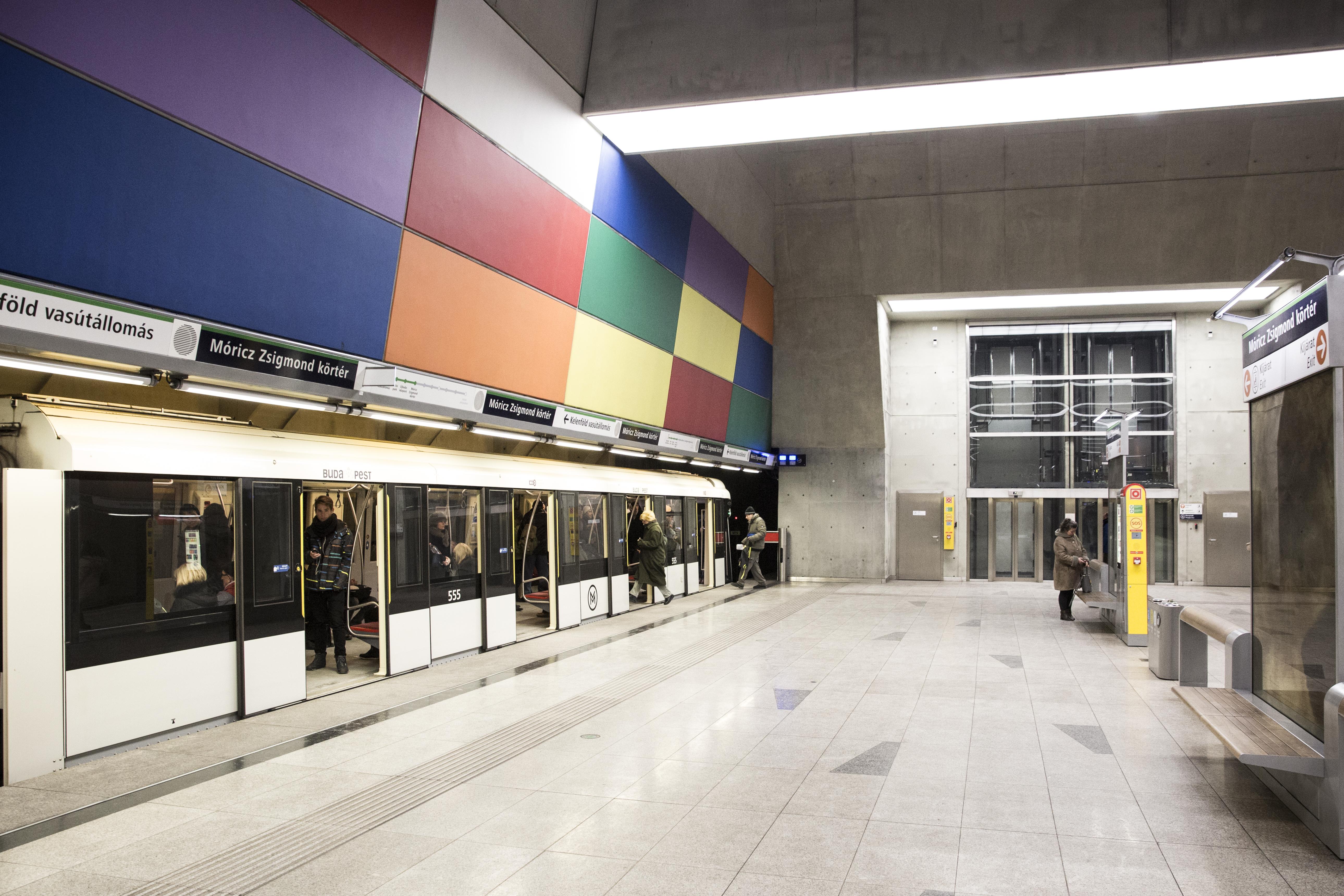 Na végre: egy órával tovább jár hétvégén a metró