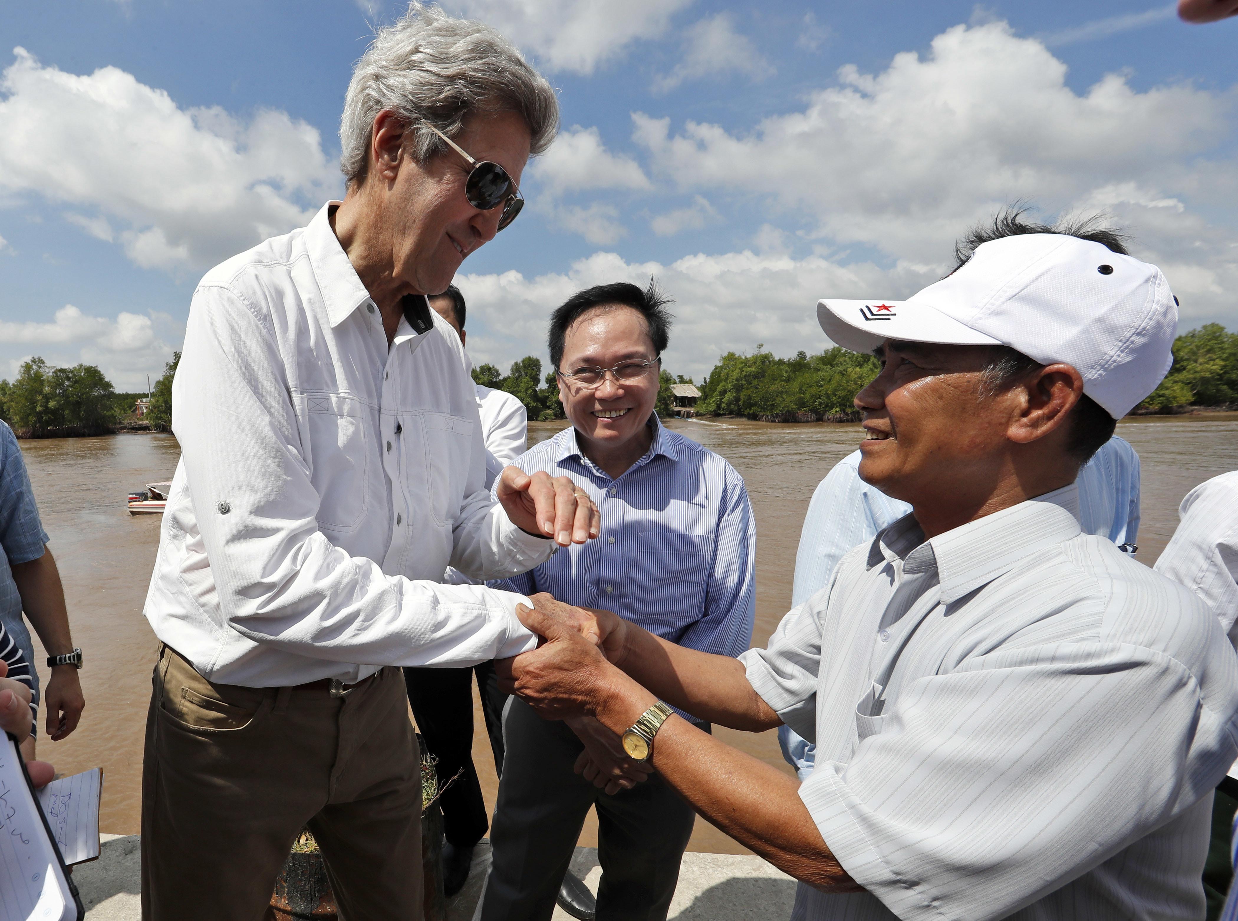 John Kerry visszatért Vietnamba, és megtudta, kit ölt meg a háború alatt