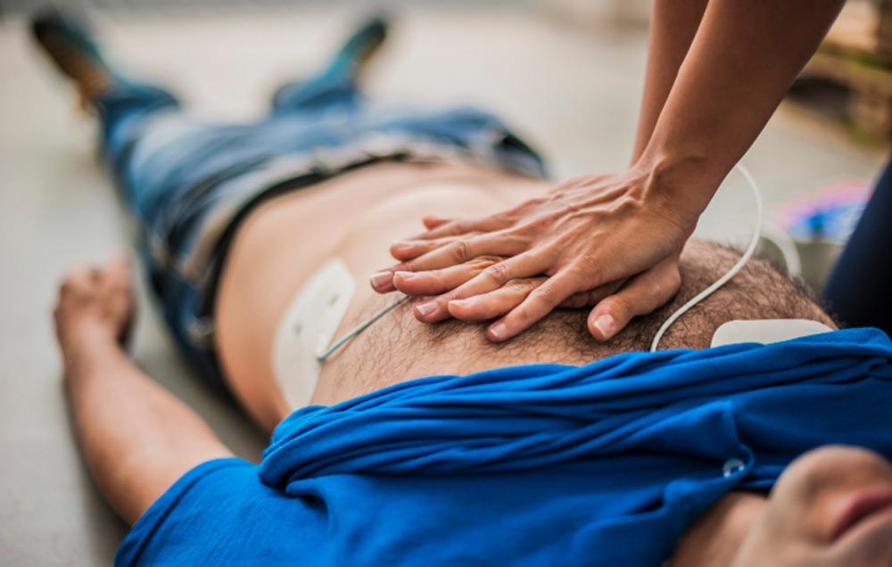 A szemtanú szerint nem segített a földön fekvő haldoklón egy budapesti háziorvos