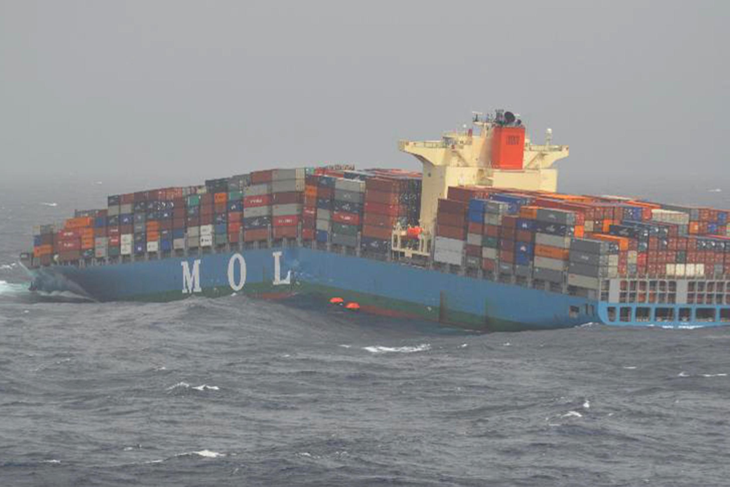 Teherhajókról elveszített konténerek leselkednek a vitorlásokra a világ óceánjain