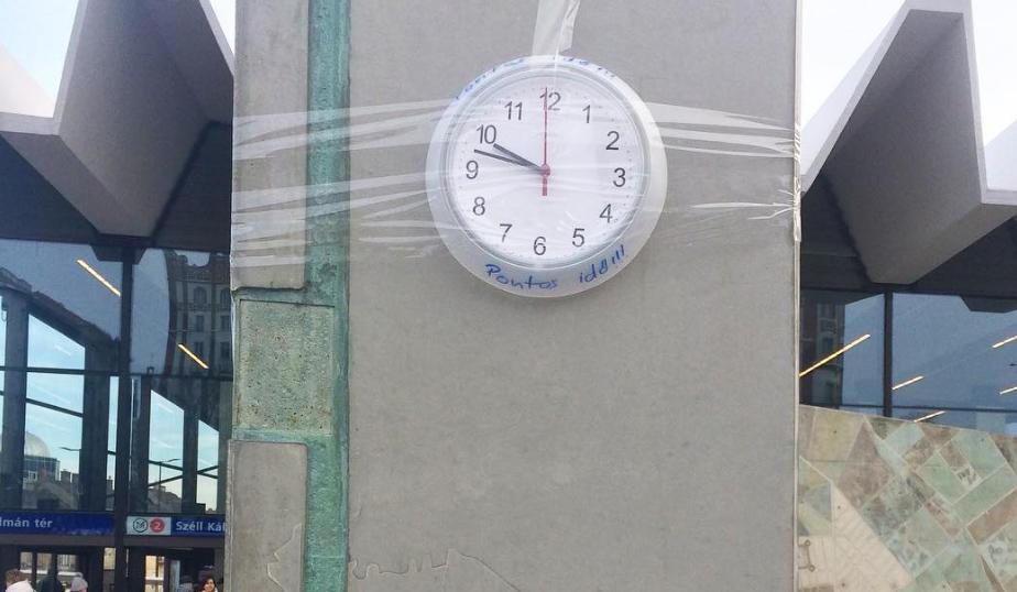 Állítólag egy hét múlva újra járni fog az ismert univerzum legösszetettebb szerkezete, a Moszkva téri elátkozott óra