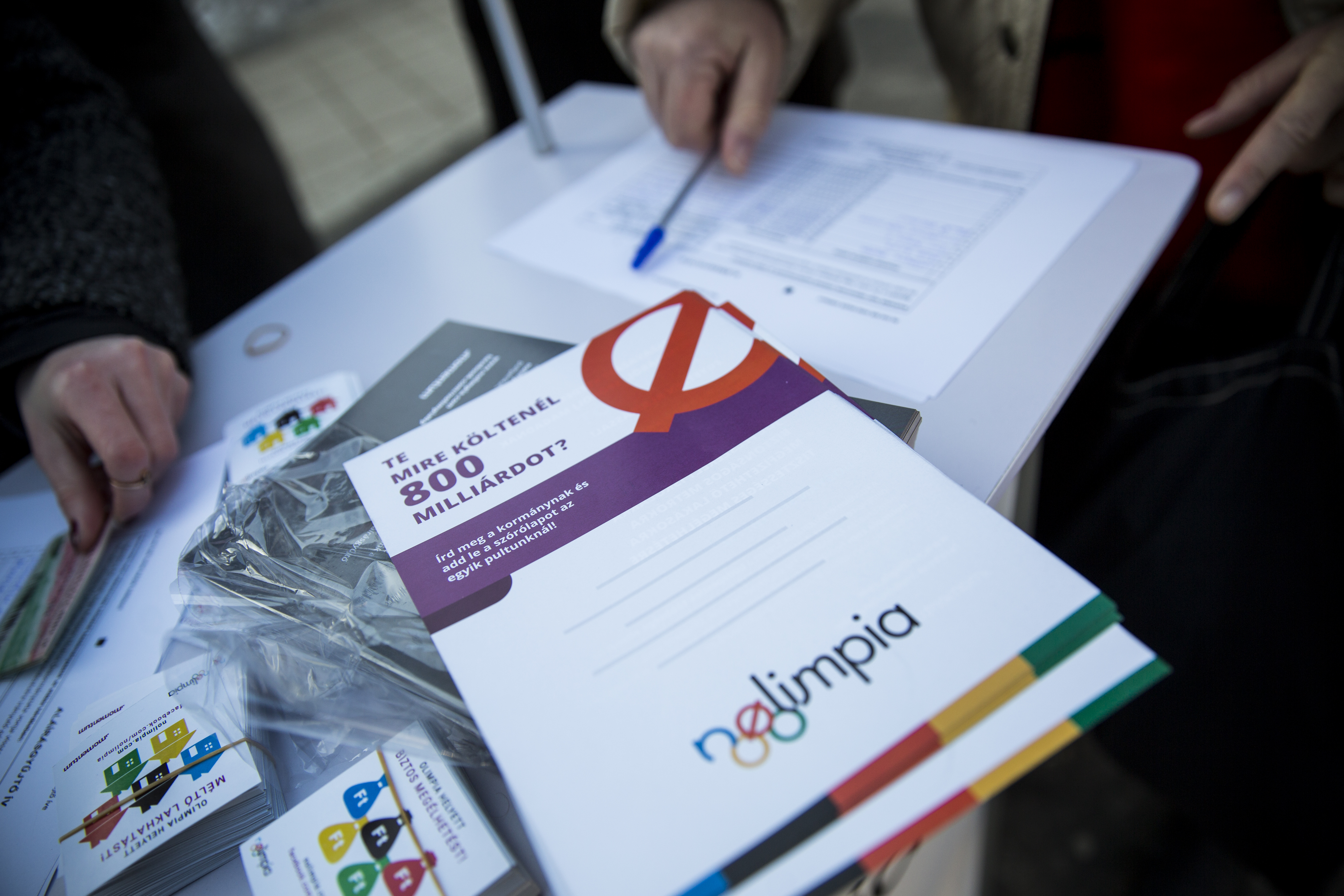 Olimpiaellenes aláírásgyűjtés kezdődött Párizsban is