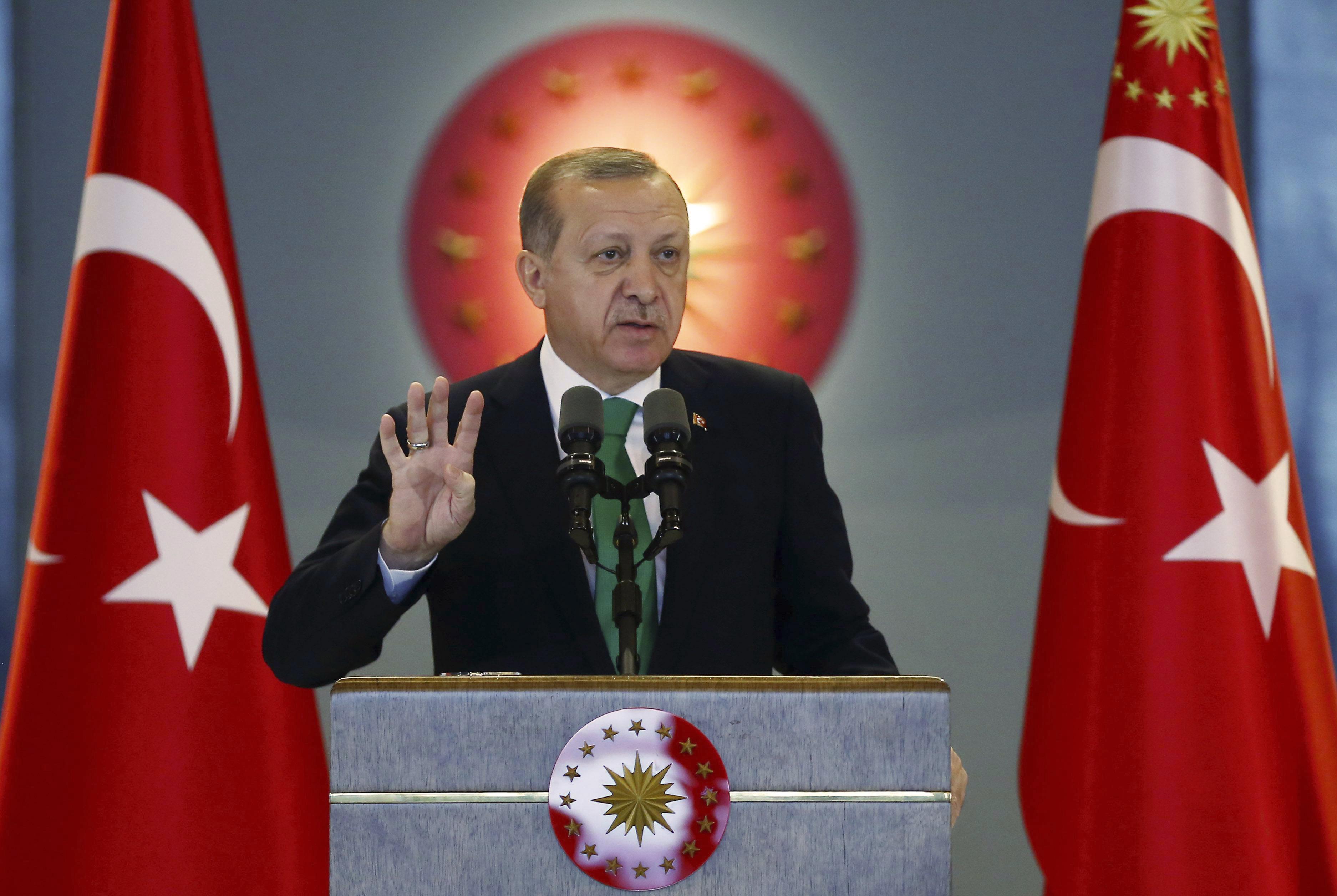 Erdogan szerint a népszavazás nem az ő hatalmáról szólt, hiszen ő csak egy halandó ember, bármikor meghalhat