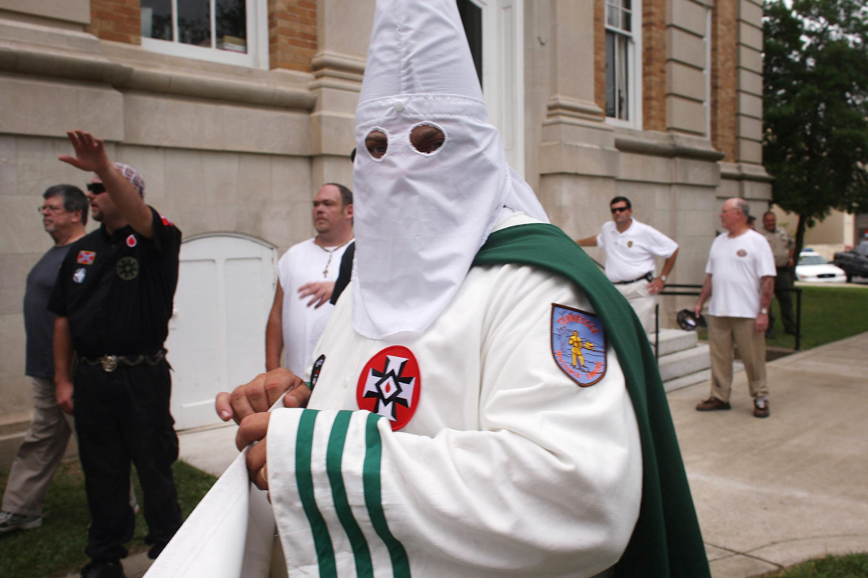 A Ku-Klux-Klan észak-karolinai Nagy Sárkánya és Nagy Varázslója örül annak, hogy Charlottesville-ben meghalt egy tüntető