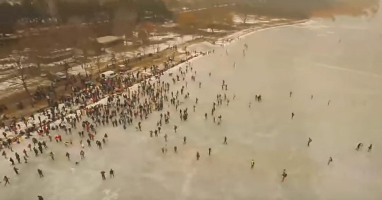 Több százan csúsztak át a Balatonon