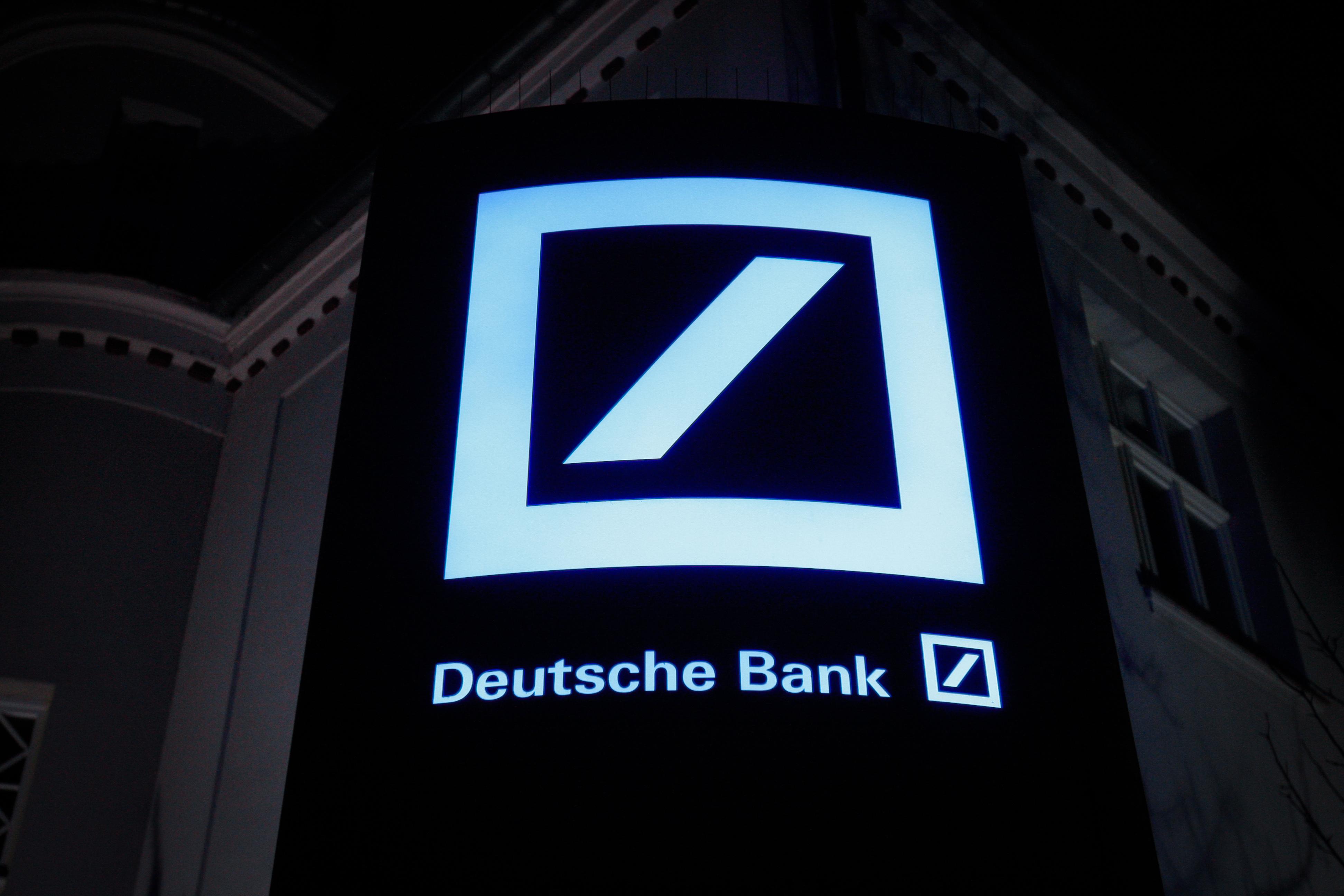 A német rendőrség a Panama-iratok nyomán razziát tartott a Deutsche Bank irodáiban