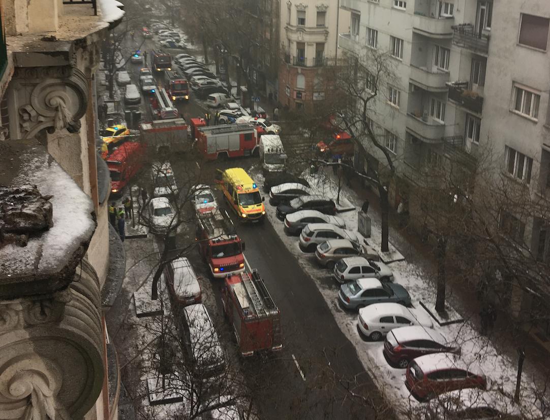 Tűz ütött ki egy Pozsonyi úti ház pincéjében