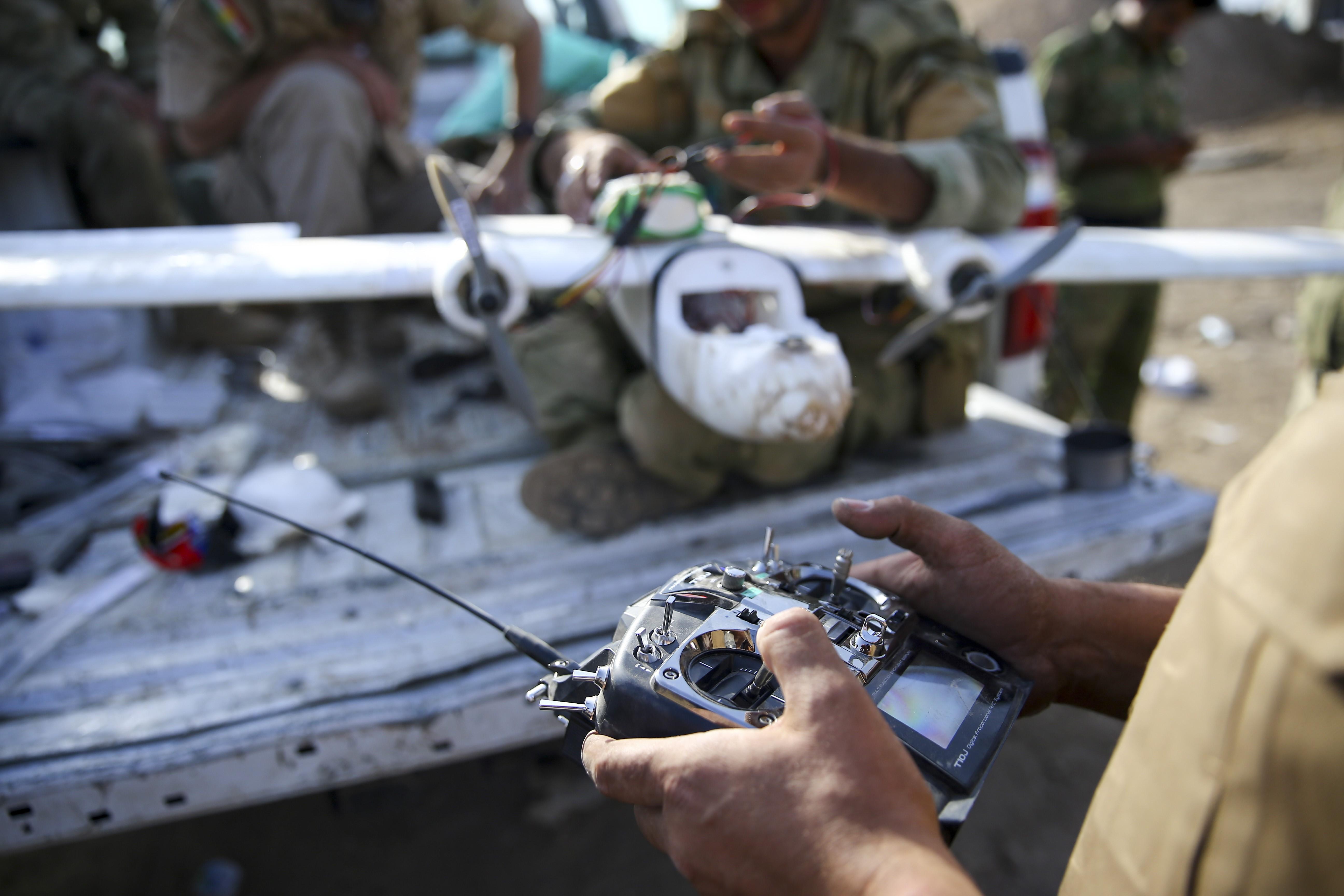 Kiskereskedelmi forgalomban kapható drónokból gyárt gyilkos gépeket az ISIS