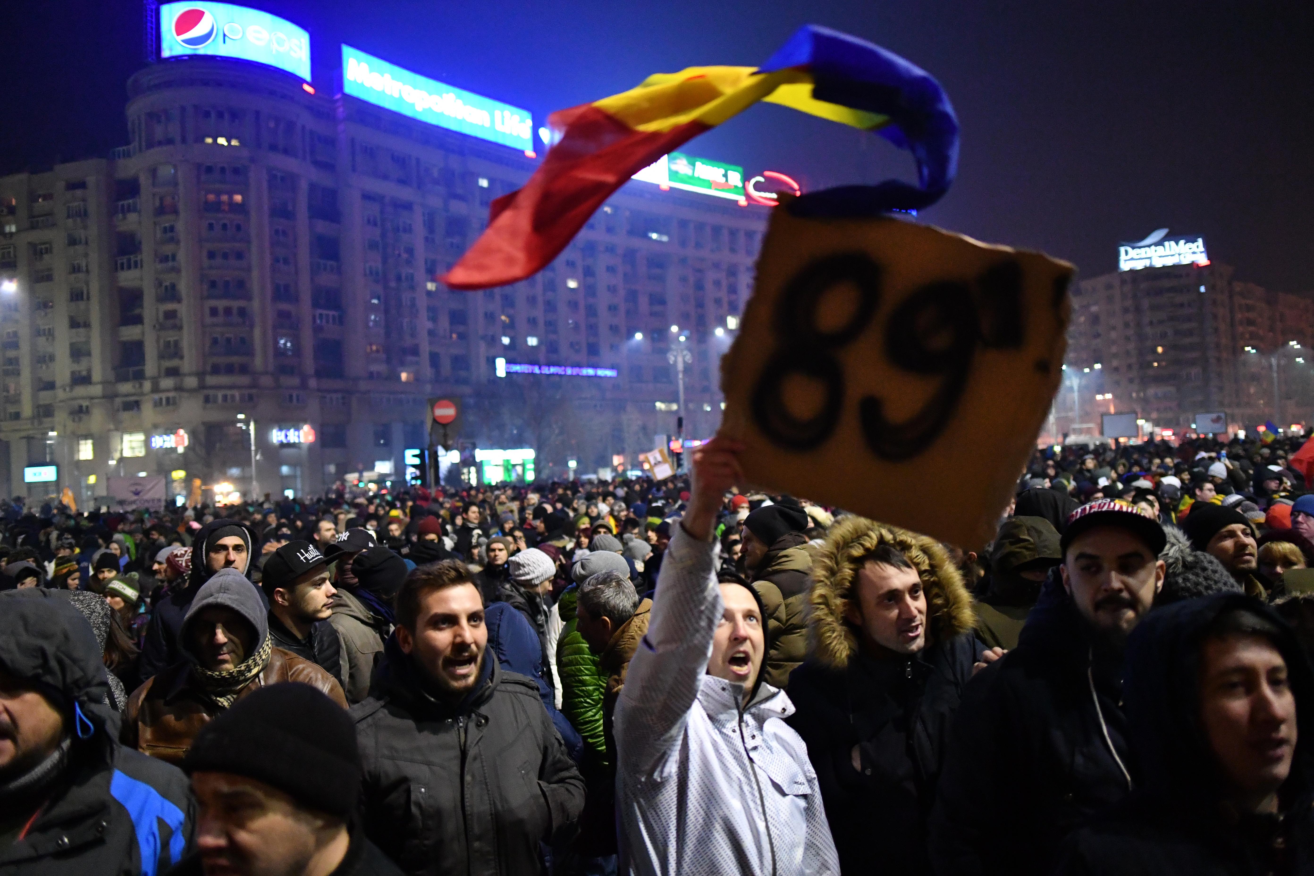 A román kormánypártban már a korrupciós rendelet visszavonásáról beszélnek