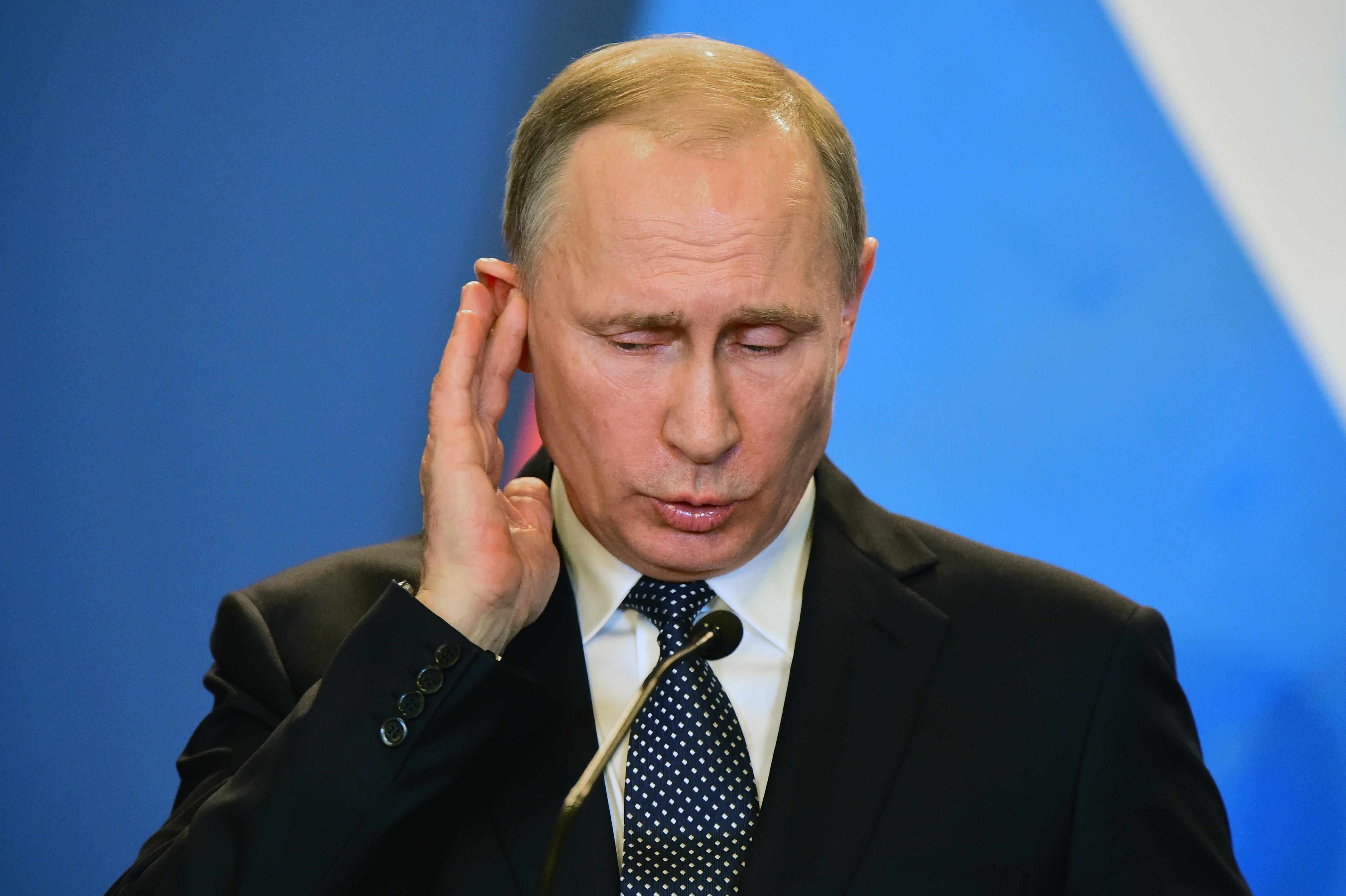 Oroszország elfogadja az Ukrajnától elszakadni akaró területek személyi iratait