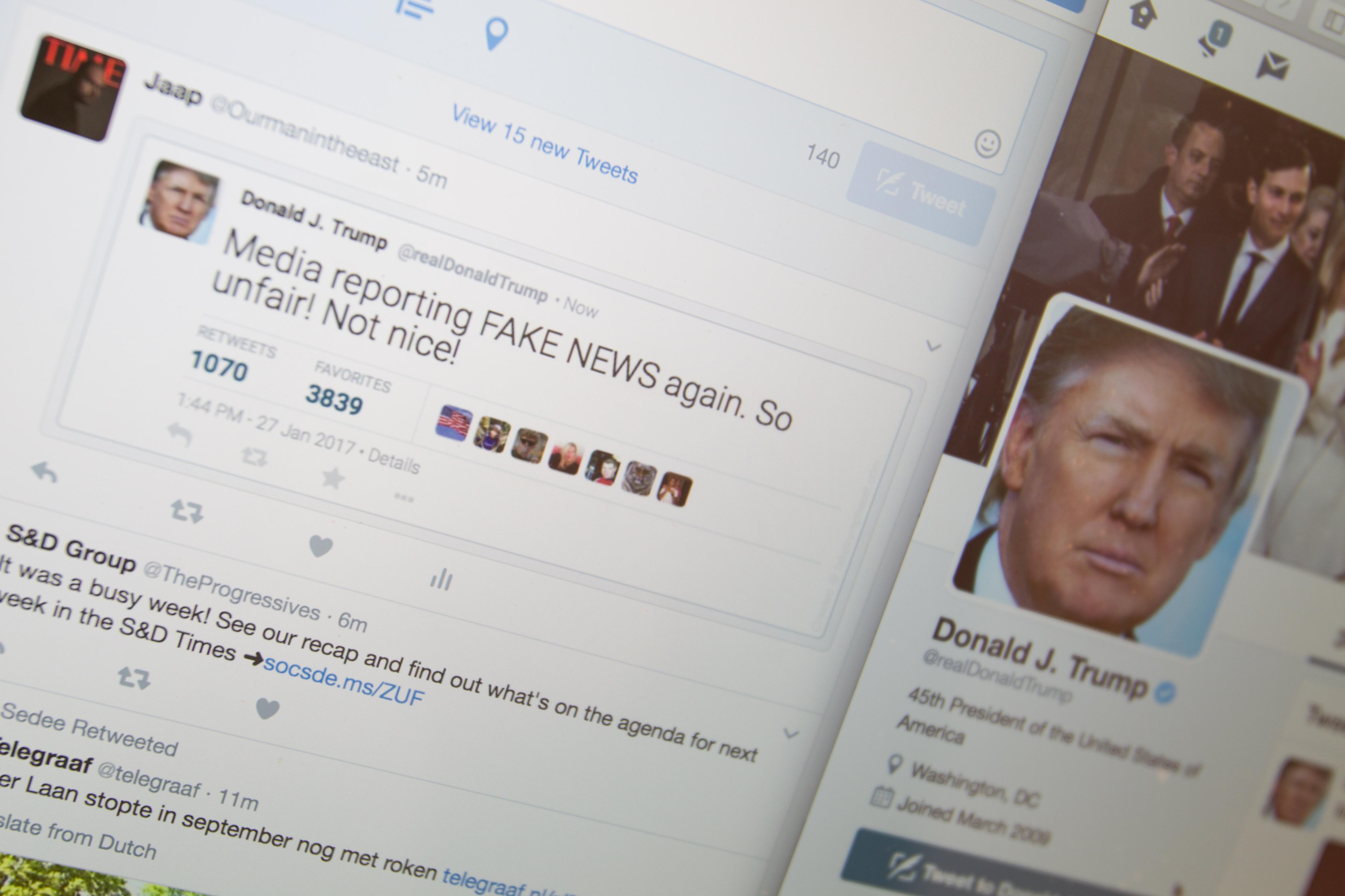 A francia elnökválasztás előtt közösen szorítaná vissza a kamuhíreket a Google és a Facebook