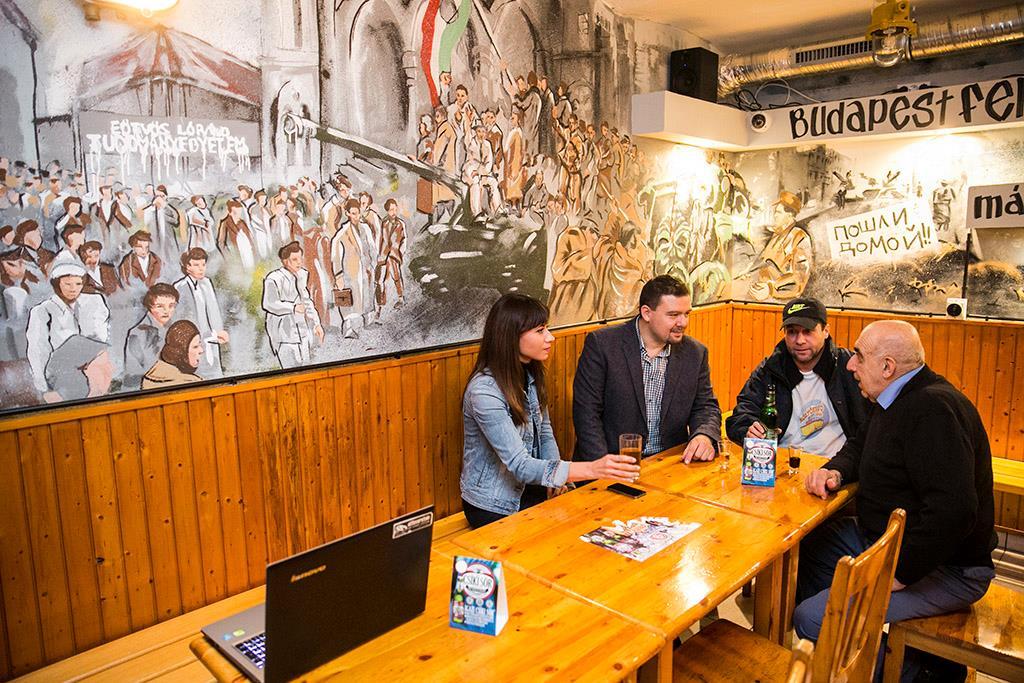 Milliókkal dobta meg a Schmidt Mária-féle '56-os emlékbizottság a Stefka István-féle sörözőt