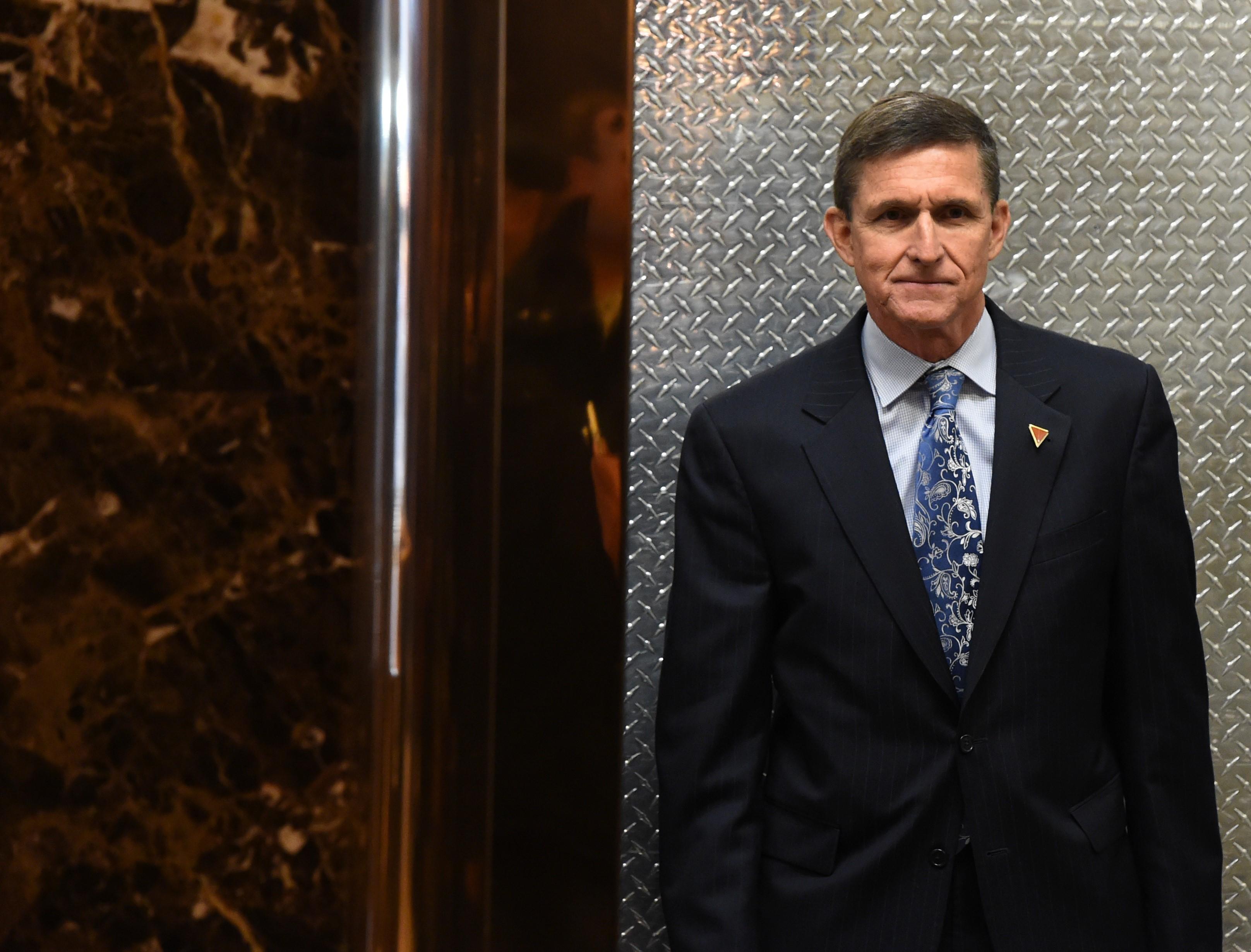 """Elhalasztották Michael Flynn ítéletét, bár a bíró azt mondta, """"eladta a hazáját"""""""