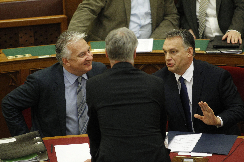 Már délután tárgyalja az Országgyűlés a lex-Heinekent