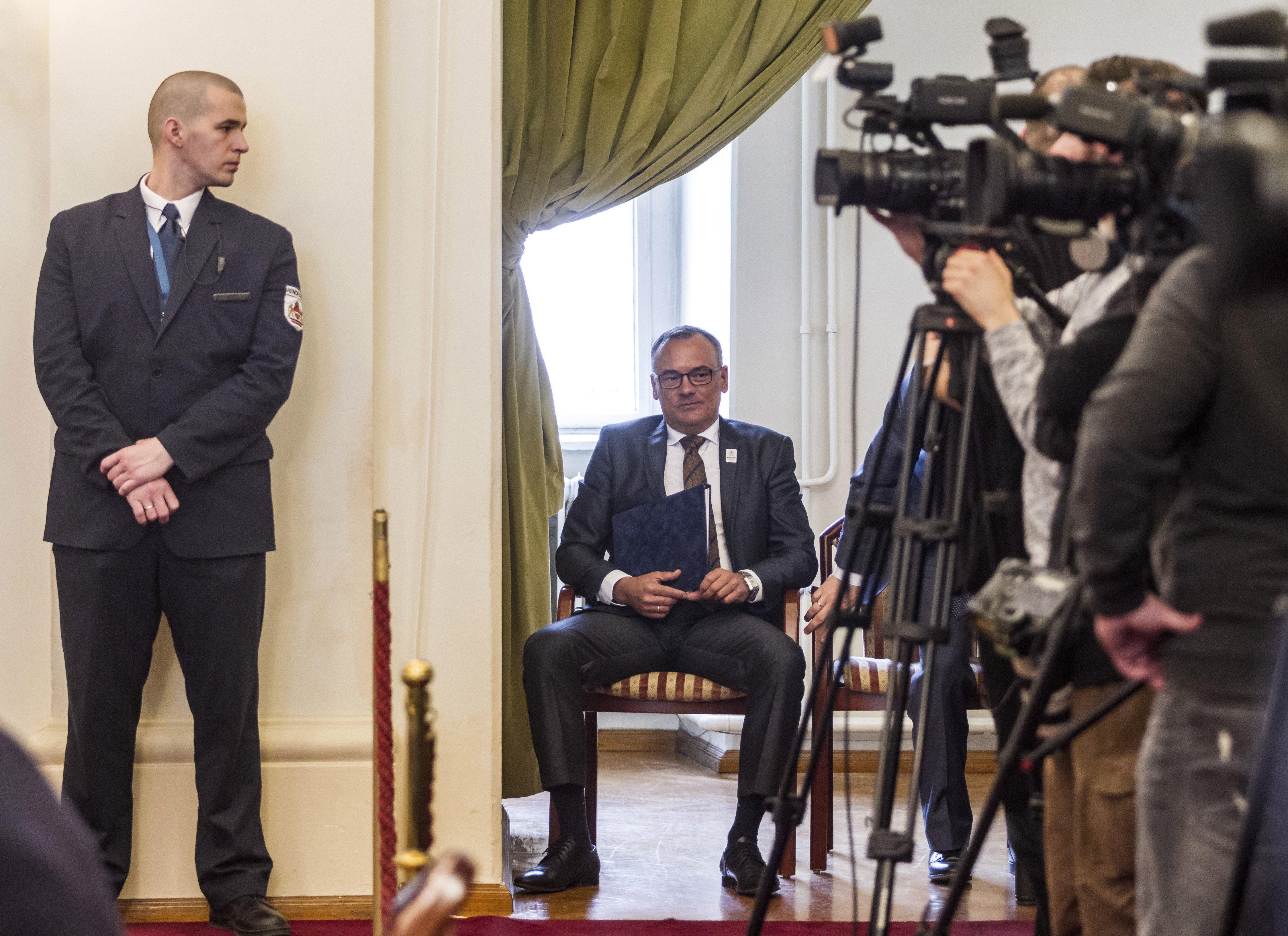 A Borkai-faktor: elvileg az újraválasztott polgármester is ott lesz a győri közgyűlés alakuló ülésén