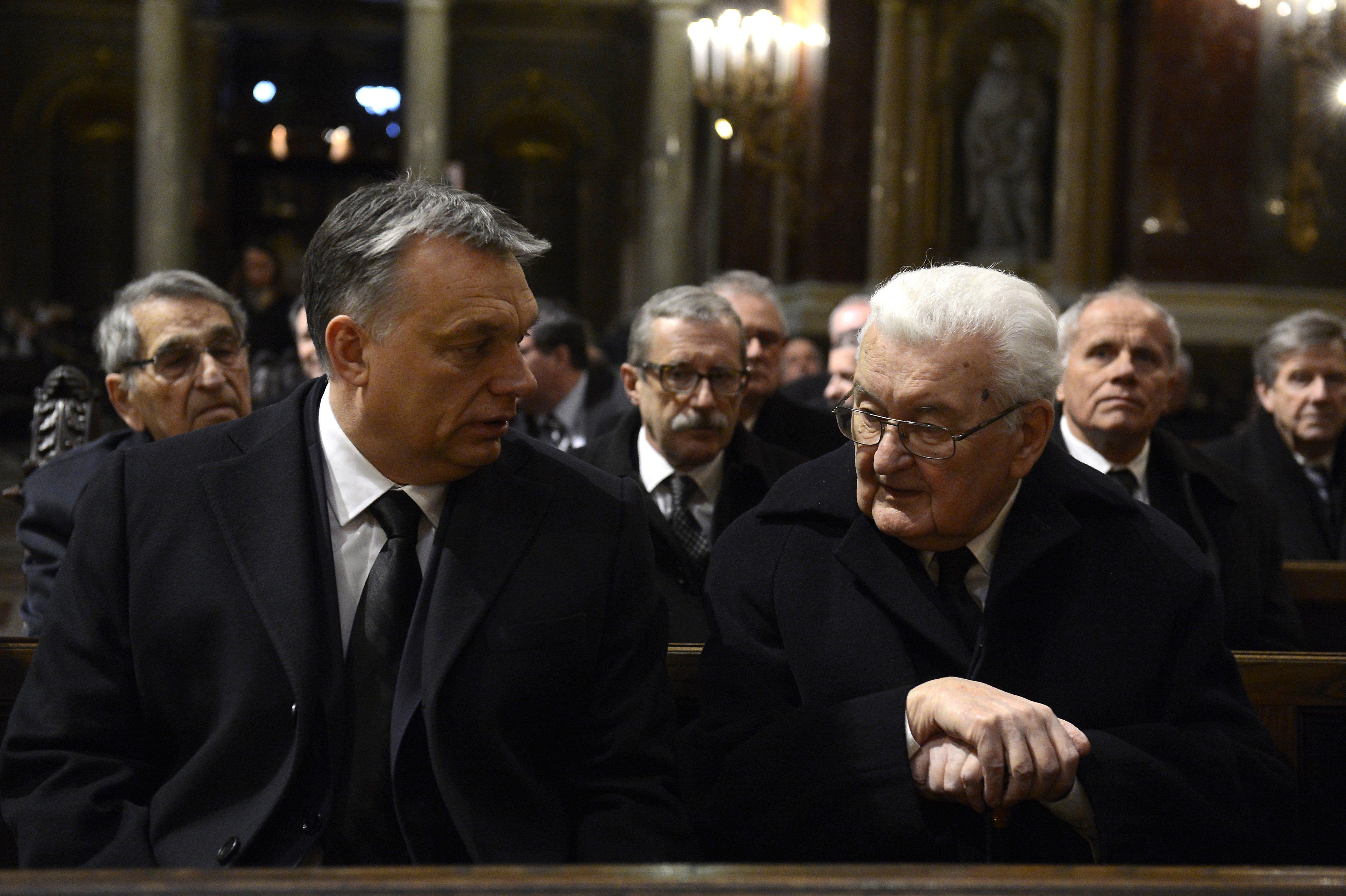 Boross Péter: A fiataloknak meg kellene mondani, hogy a külföldi egyetemek nem jobbak, mint a magyarok